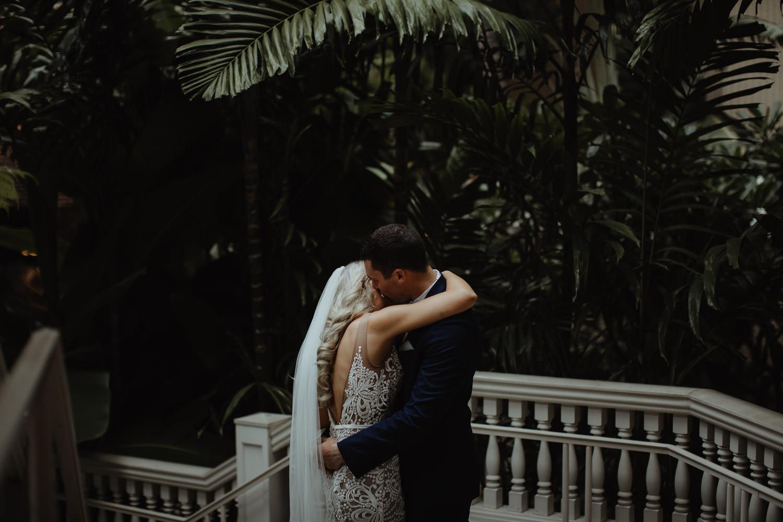 hawaiian-elopement-photography_057(5383).jpg