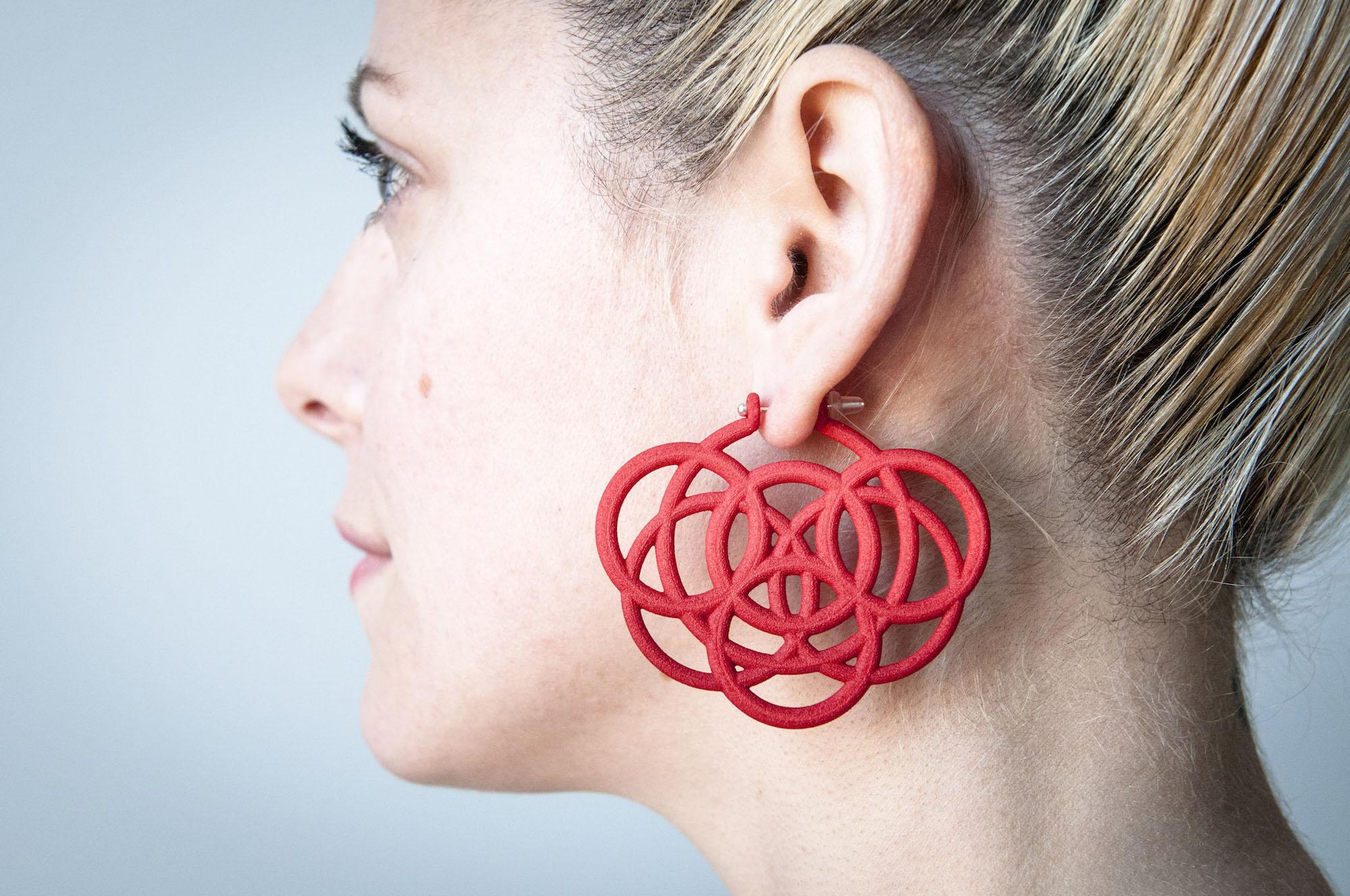 Loops Hoops - Maria Eife.jpg