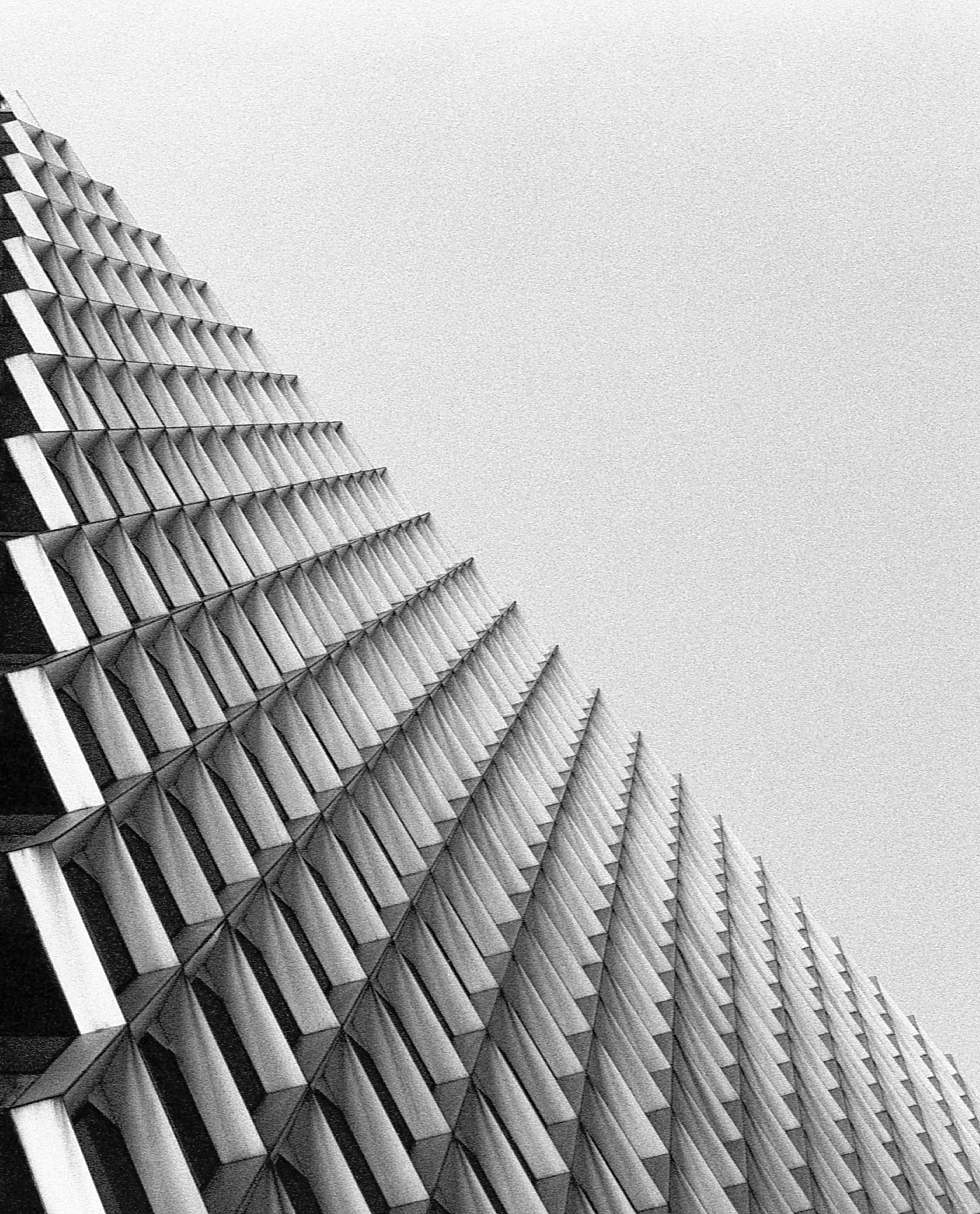 Perspective tricks -Pittsburgh (IBM Building) | Tri-X 400 @ 1600