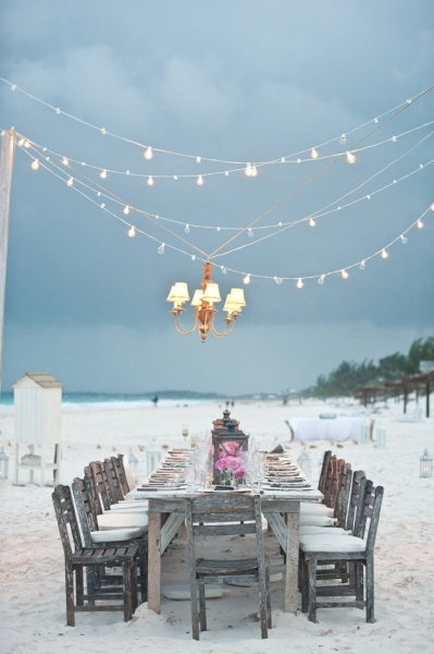 My favourite EVER outdoor styled event. One day I will recreate the chic beach event.