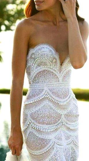 Jodi Godon in J'Aton Couture