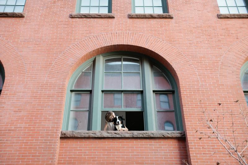 home-tour-madelynn-furlong-husligheter-11.jpg