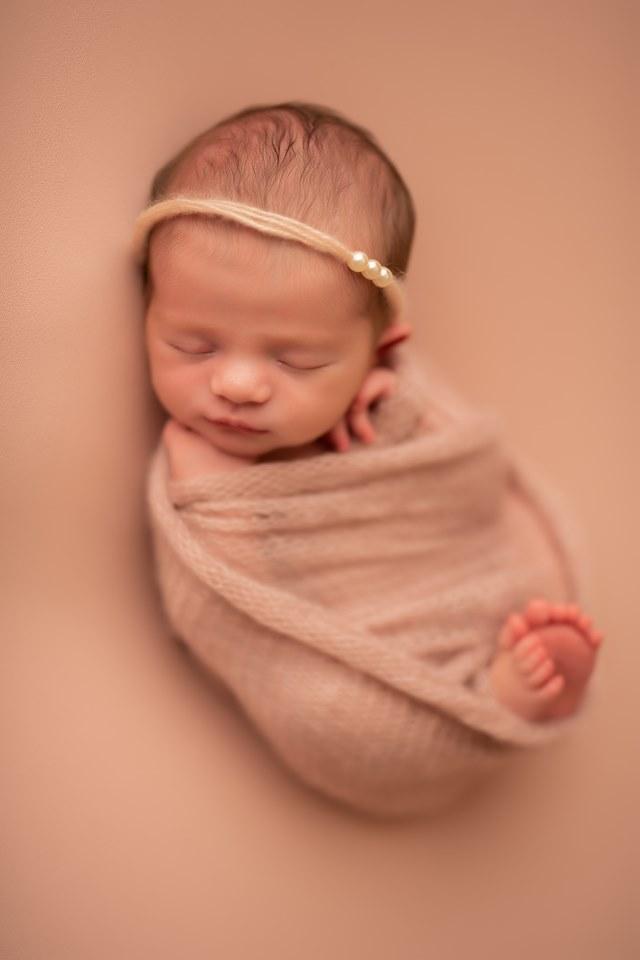 best newborn photographers in topeka ks