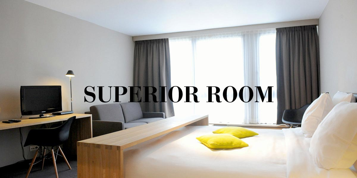 hotel-chelton-rooms-superior-bedroom.jpg