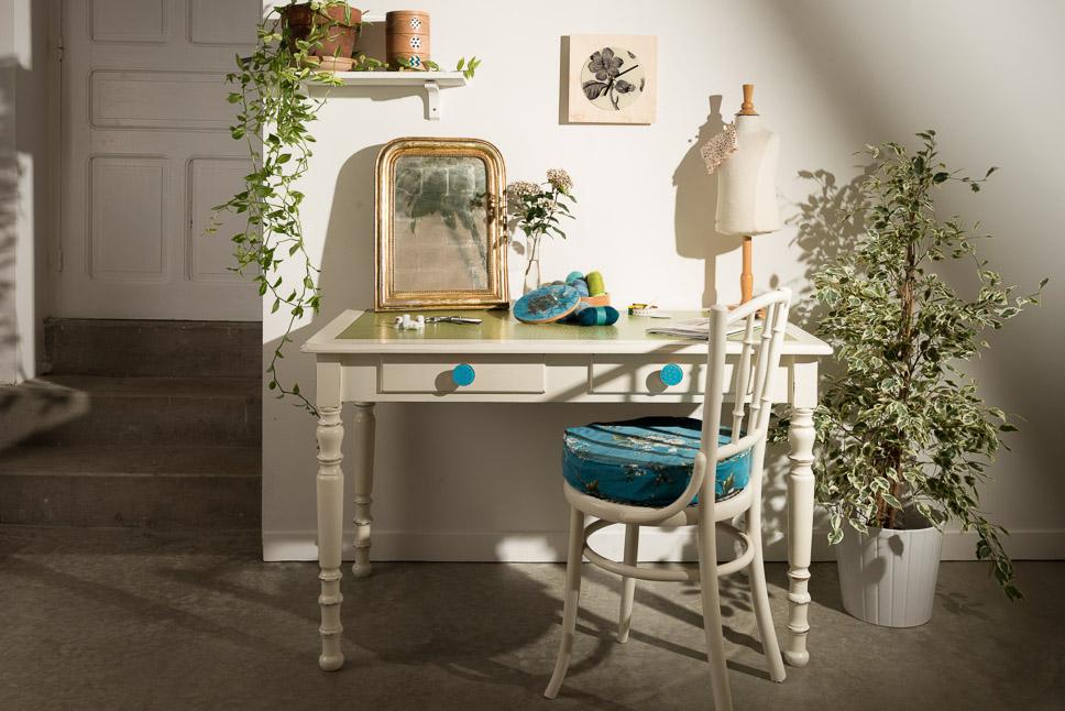 Ambiance - Desk.jpg
