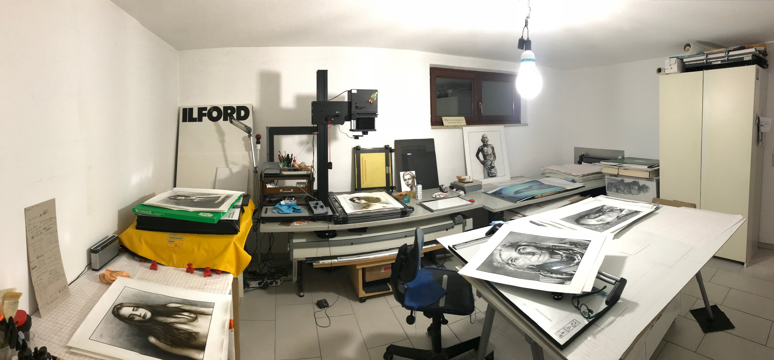 The darkroom, a creative space where everything is possible. You can also rent the darkroom.