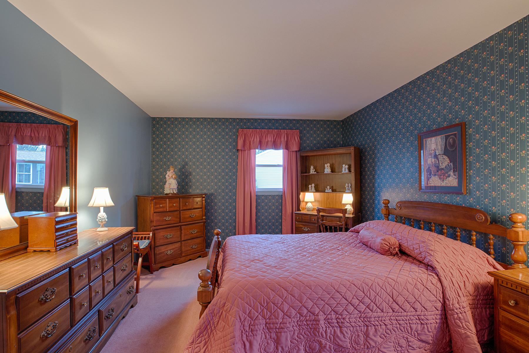 024 EAP Maria Barr 10 Lexington Rd Saratoga Springs crest 18.jpg