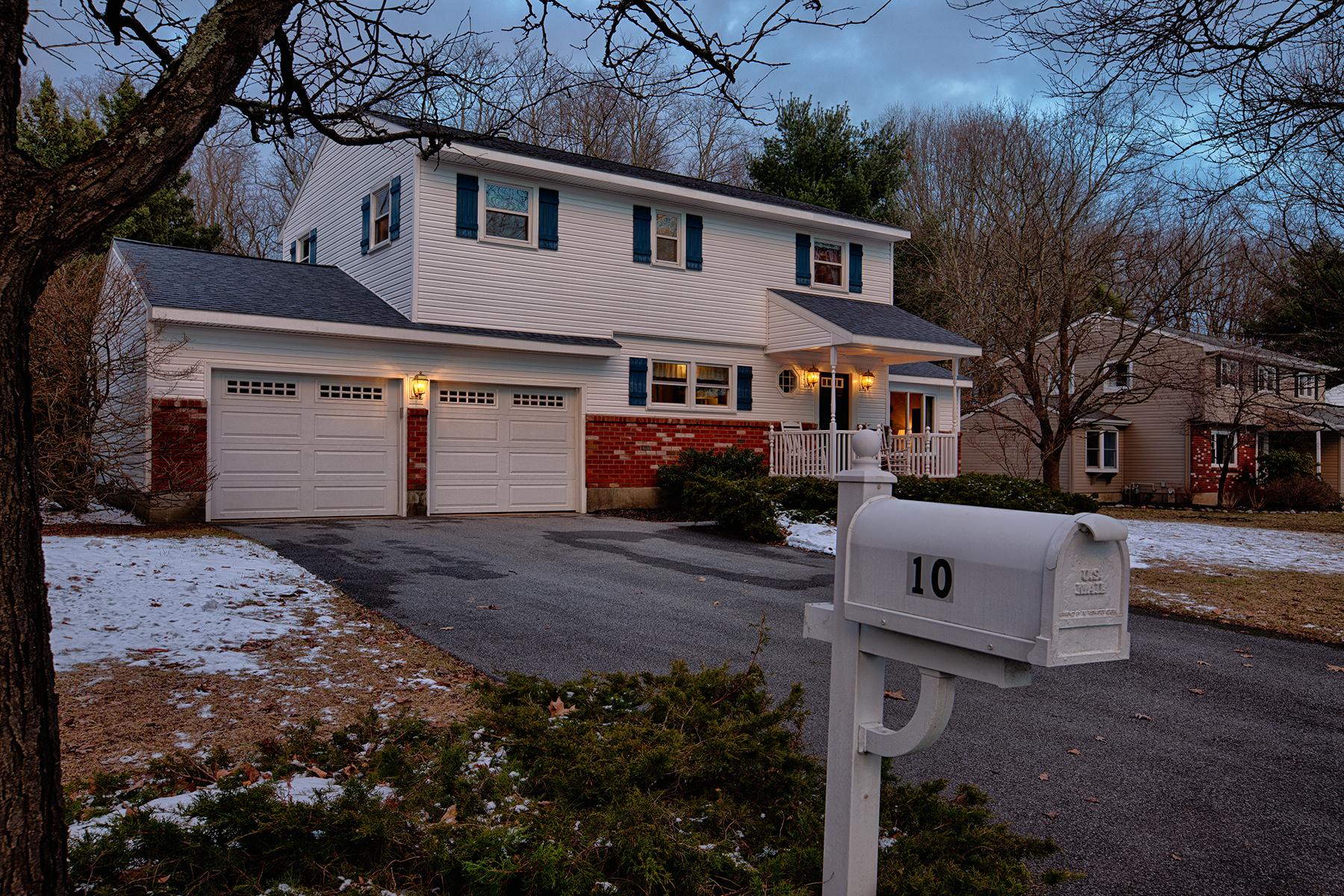 027 EAP Maria Barr 10 Lexington Rd Saratoga Springs crest 29.jpg
