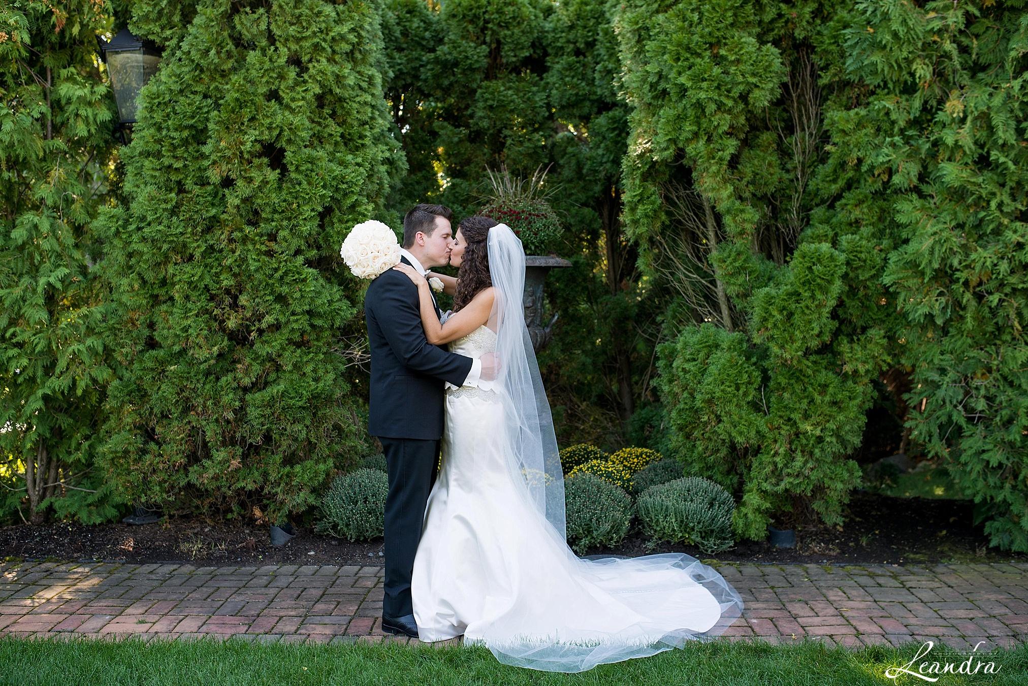The Park Savoy Estate Wedding Bride and Groom photos | New Jersey Wedding Photographer