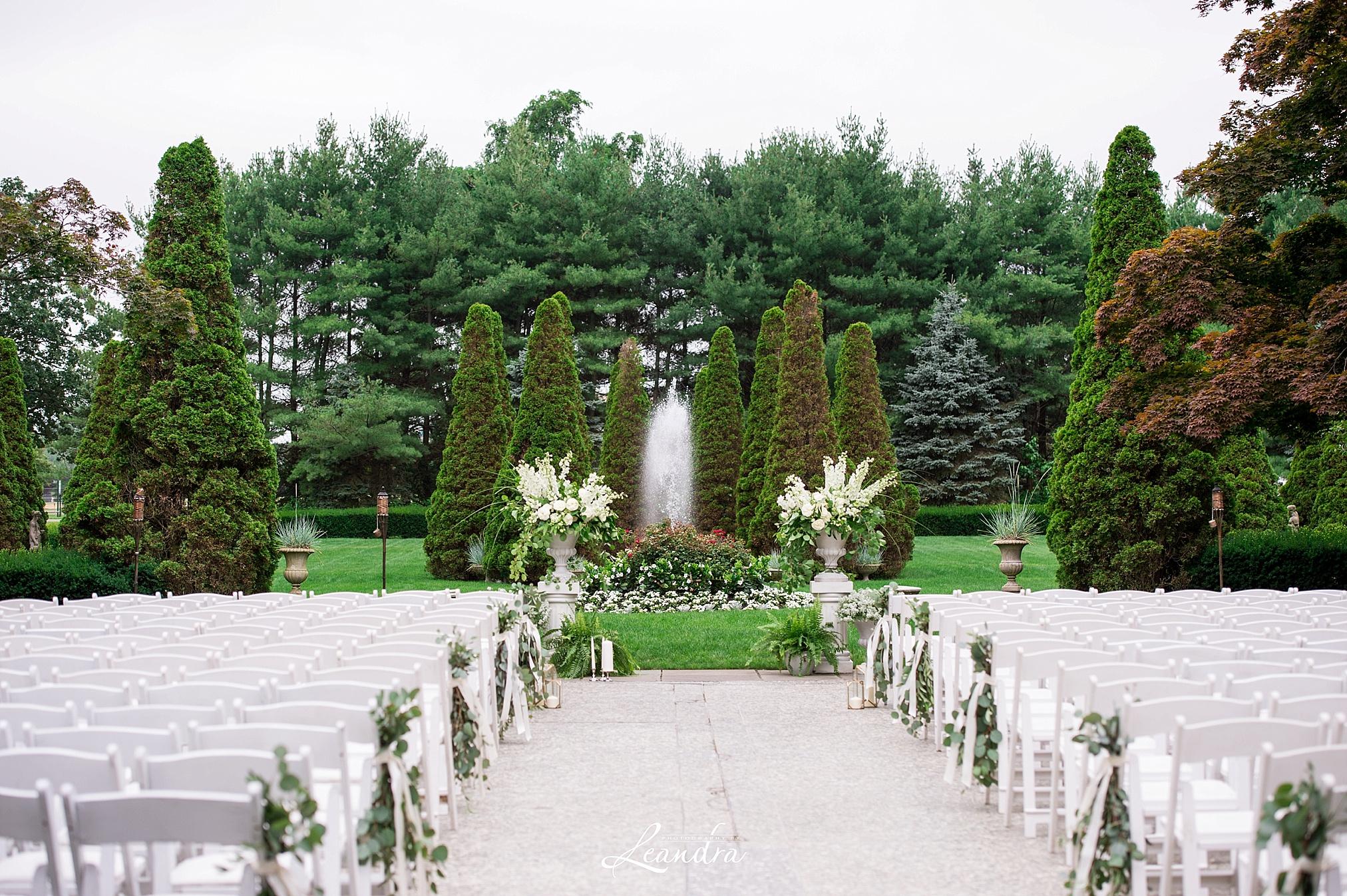 The Carltun outdoor Wedding Ceremony   New York Wedding Photographer