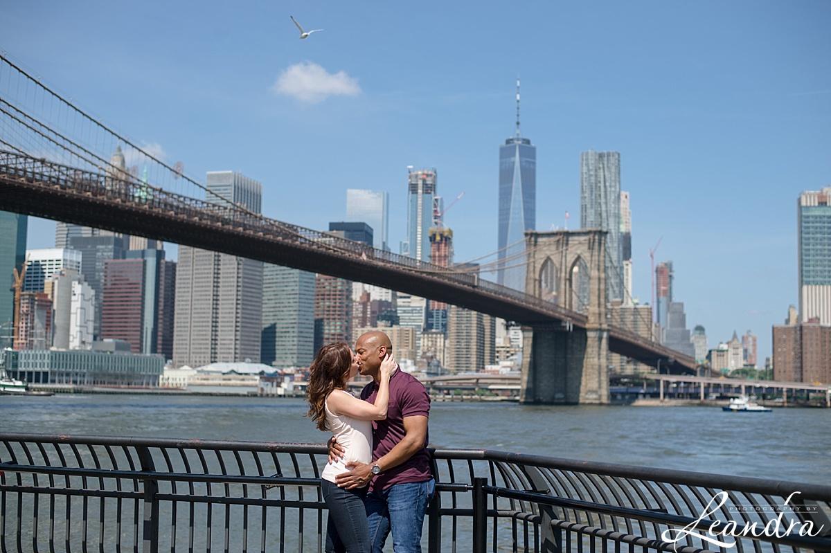 Brooklyn Bridge Park Engagement photos.Photography by Leandra_0061.jpg