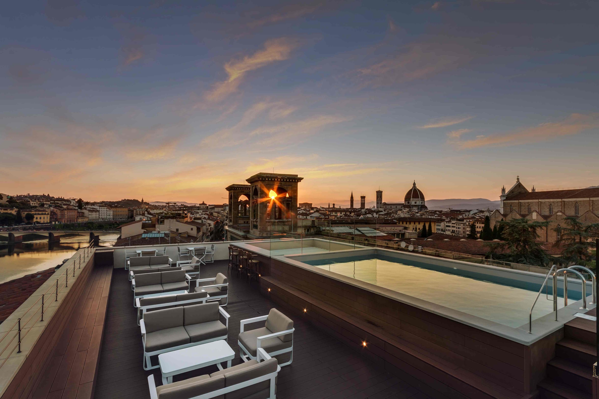 Plaza Hotel Lucchesi Rooftop Bar Florence