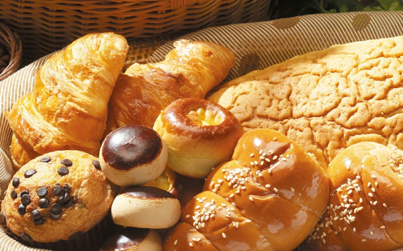 image source:http://thankheavensglutenfree.files.wordpress.com/2013/01/baked-goods-gluten.jpg