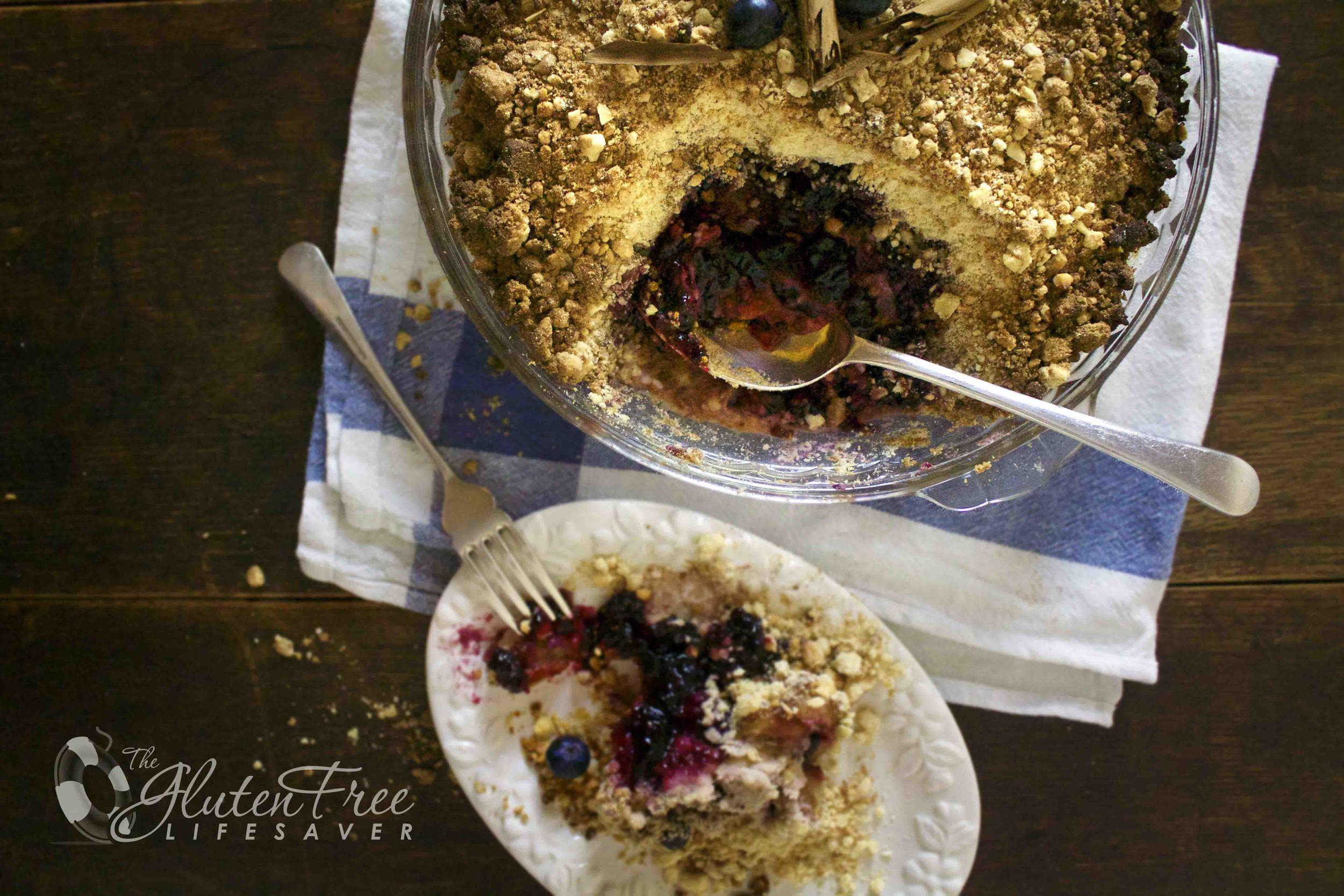 glutenfri eple og blåbær crumble med kokos