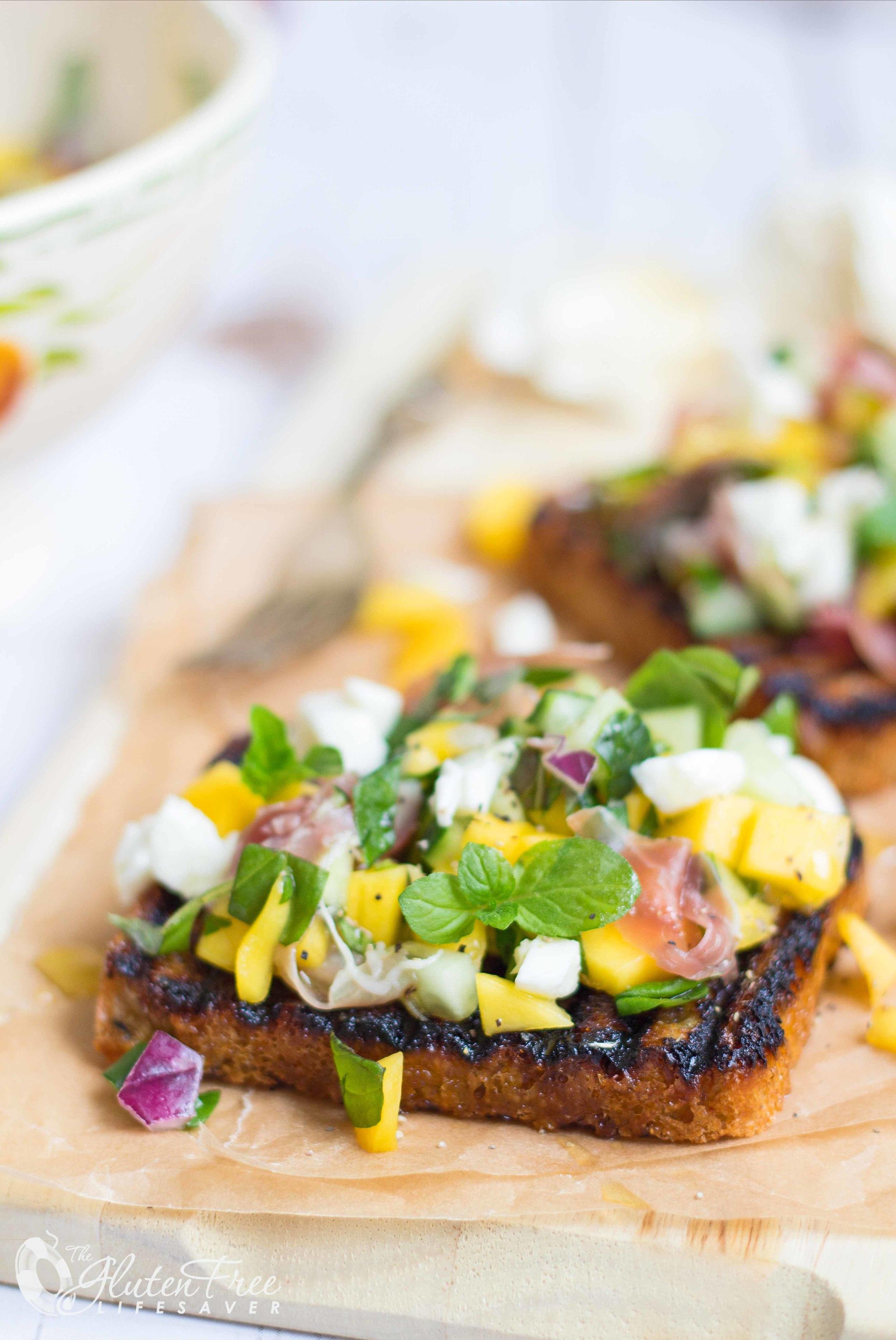Glutenfri bruschetta oppskrift med mango og mozarella