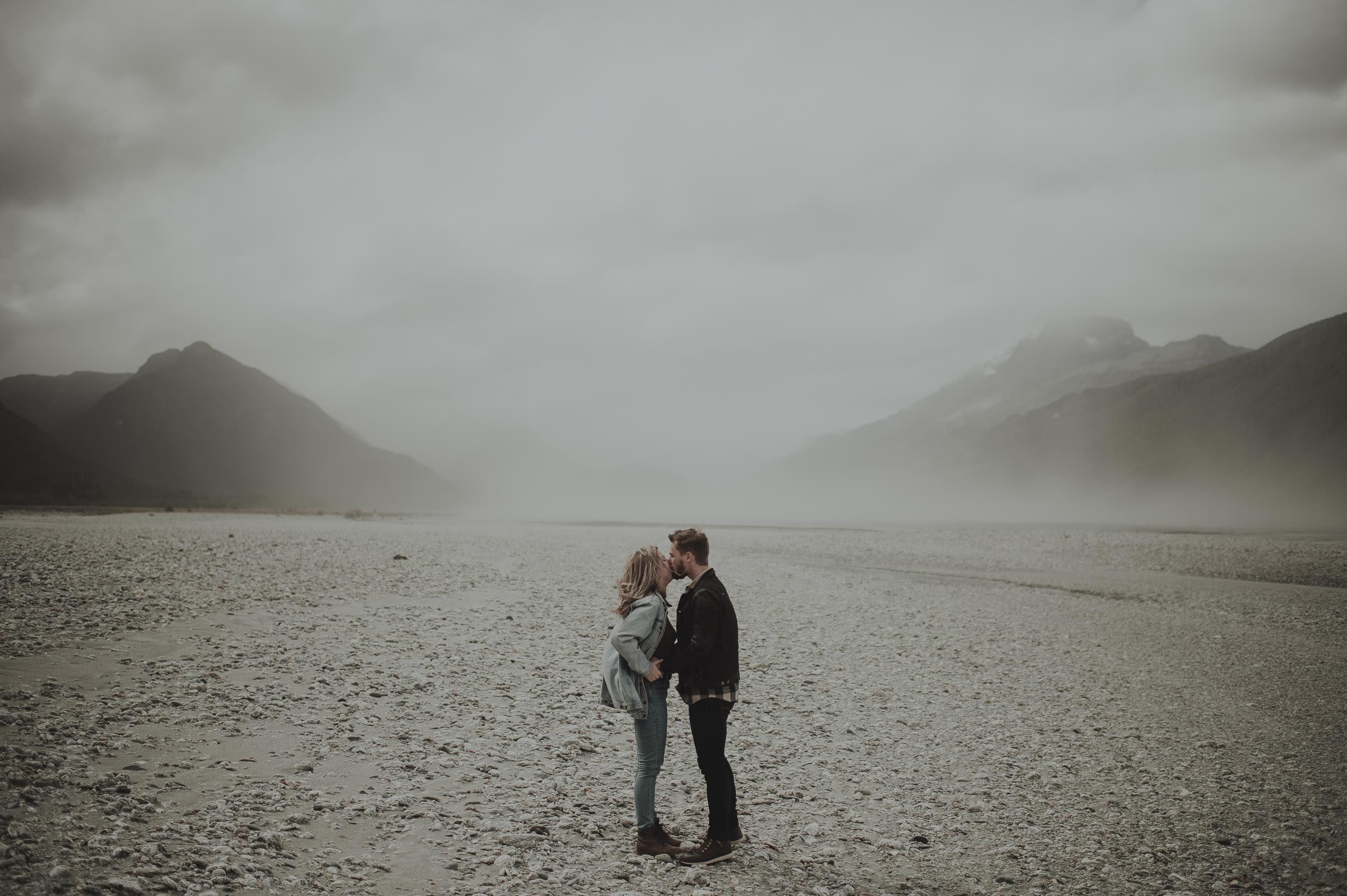 Katie_Hamish_Glenorchy_New_Zealand_Couple_Shoot-15.jpg