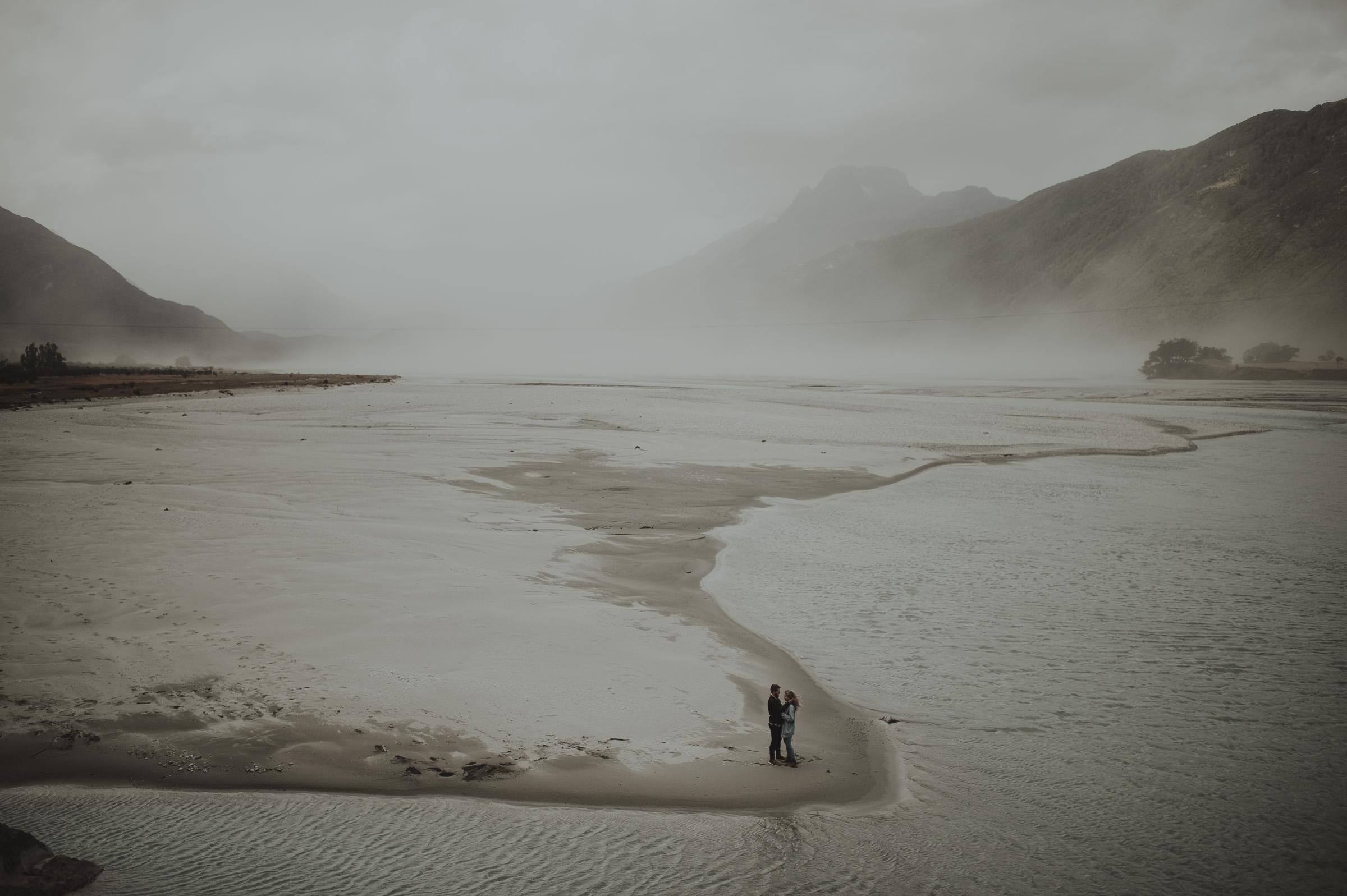 Katie_Hamish_Glenorchy_New_Zealand_Couple_Shoot-18.jpg