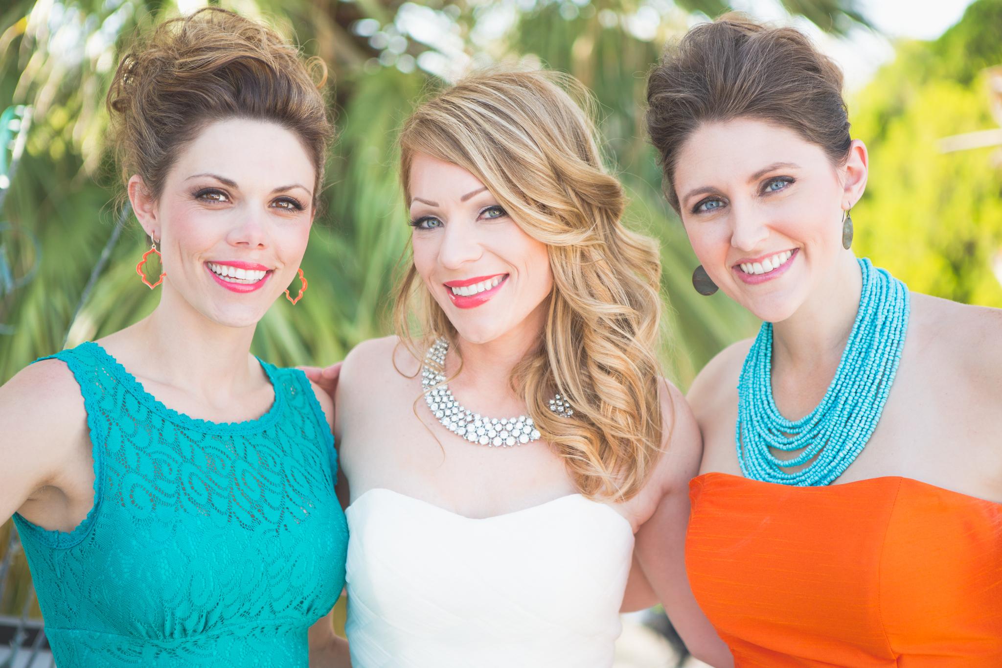 scottsdale-wedding-photographer-el-dorado-bride-bridesmaids-colorful