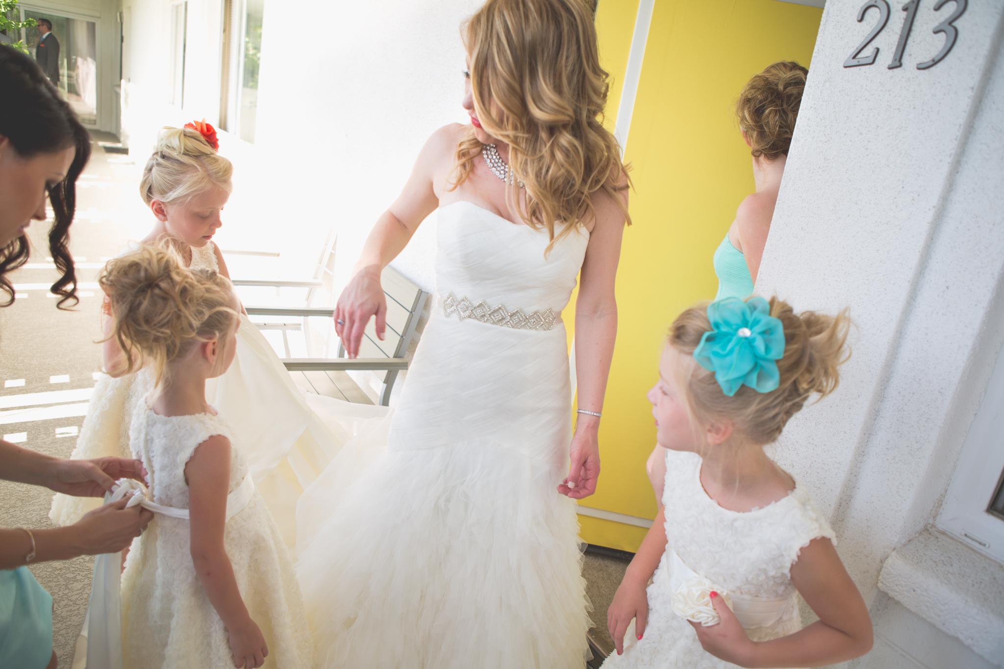 scottsdale-wedding-photographer-el-dorado-bride-flower-girls-getting-ready