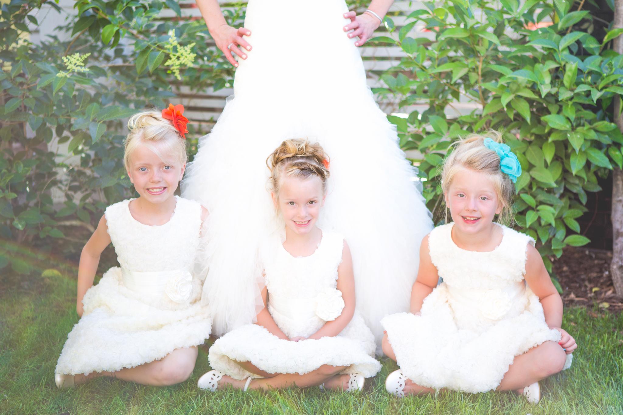 scottsdale-wedding-photographer-el-dorado-bride-flower-girls-cool-pose
