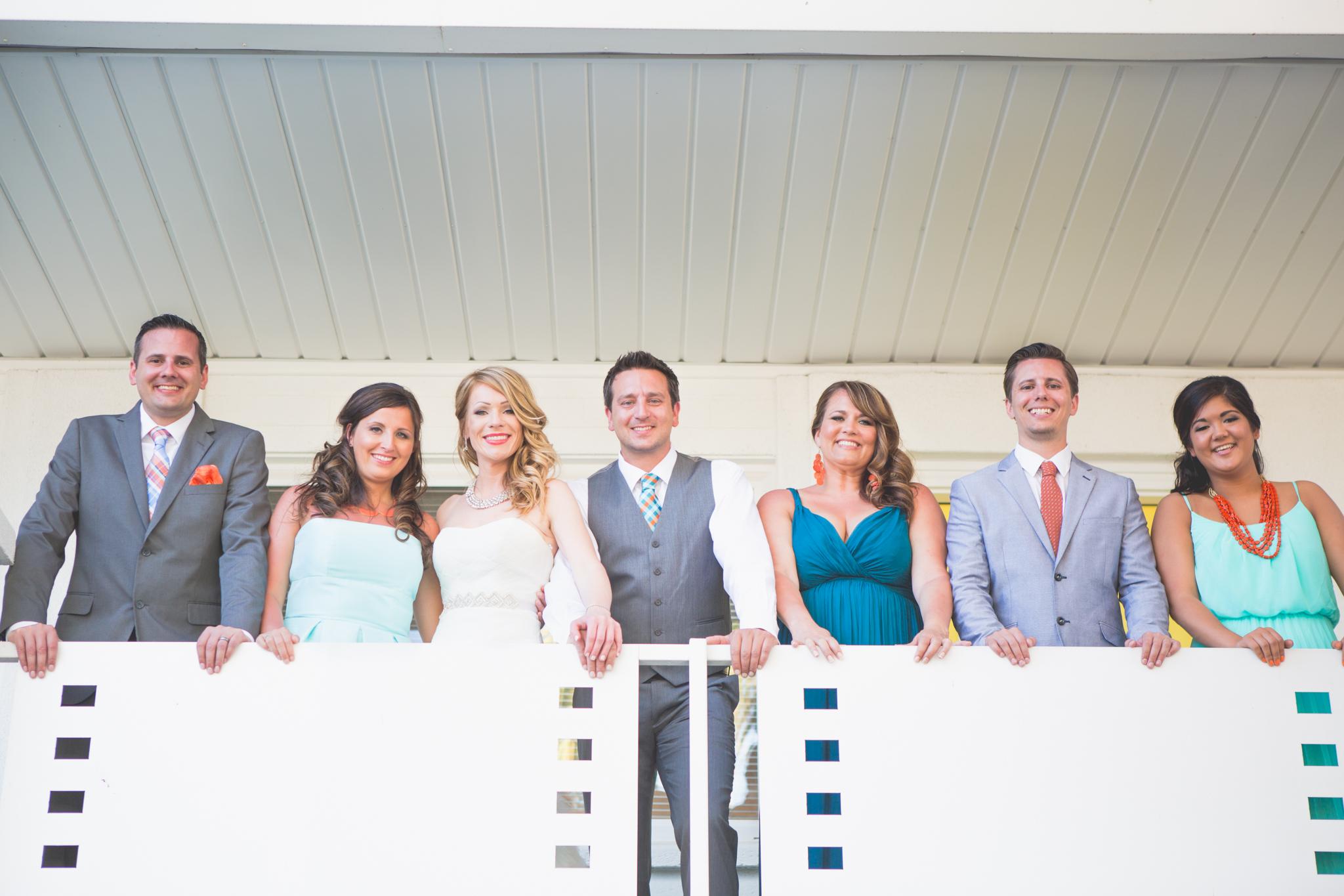 scottsdale-wedding-photographer-el-dorado-bride-groom-siblings-balcony
