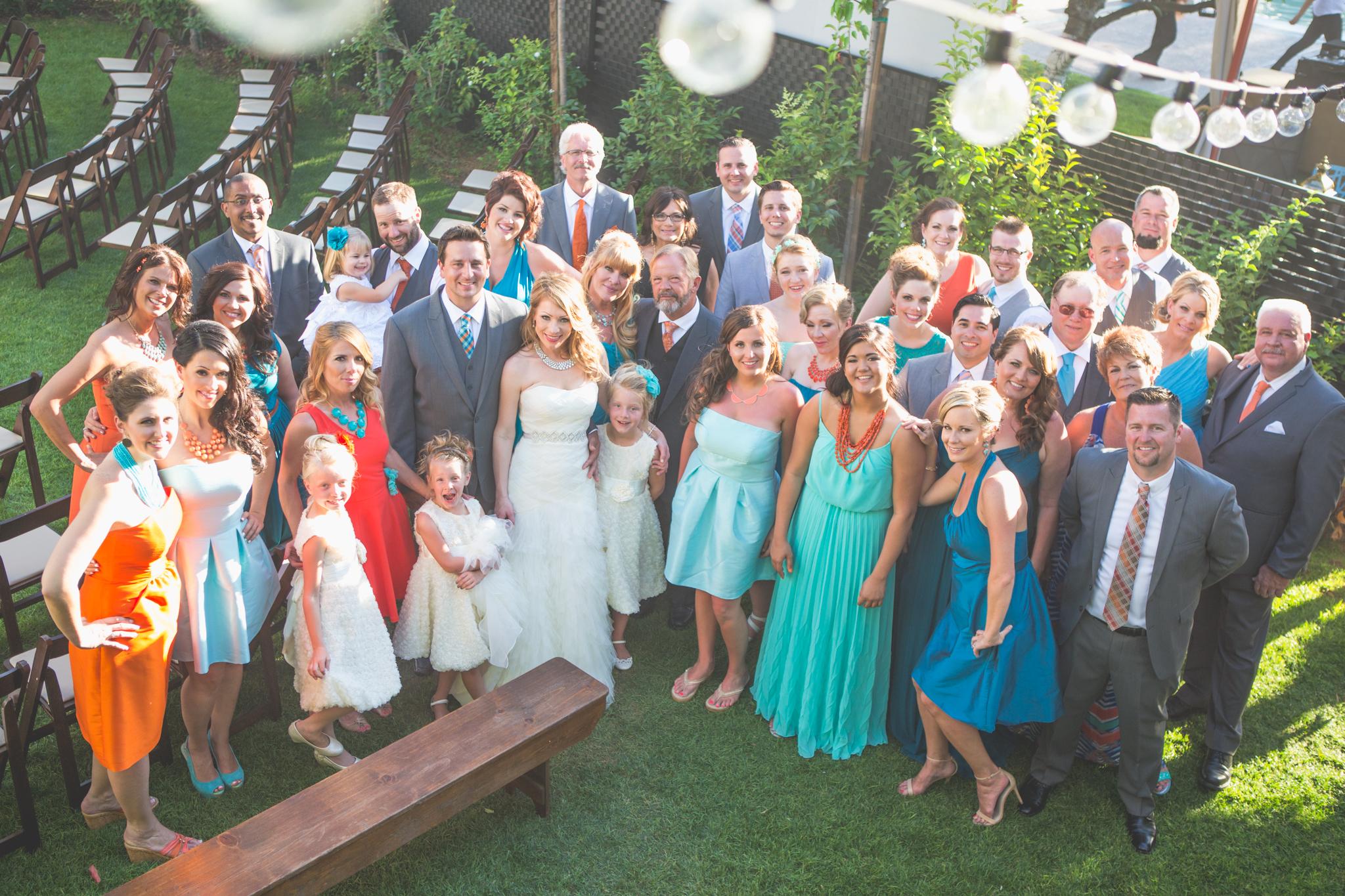 scottsdale-wedding-photographer-el-dorado-colorful-large-group-family-shot