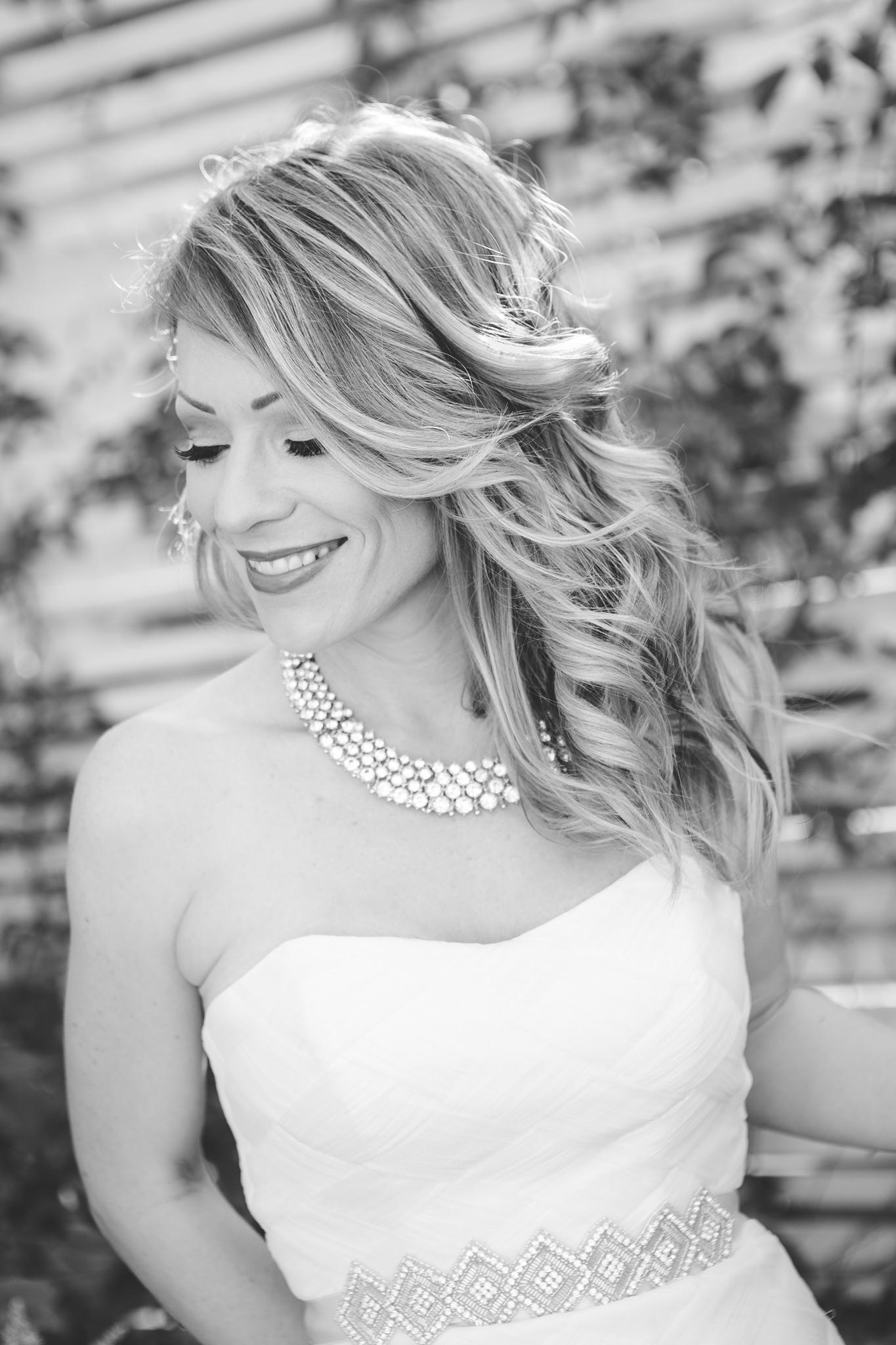 scottsdale-wedding-photographer-black-and-white-bridal