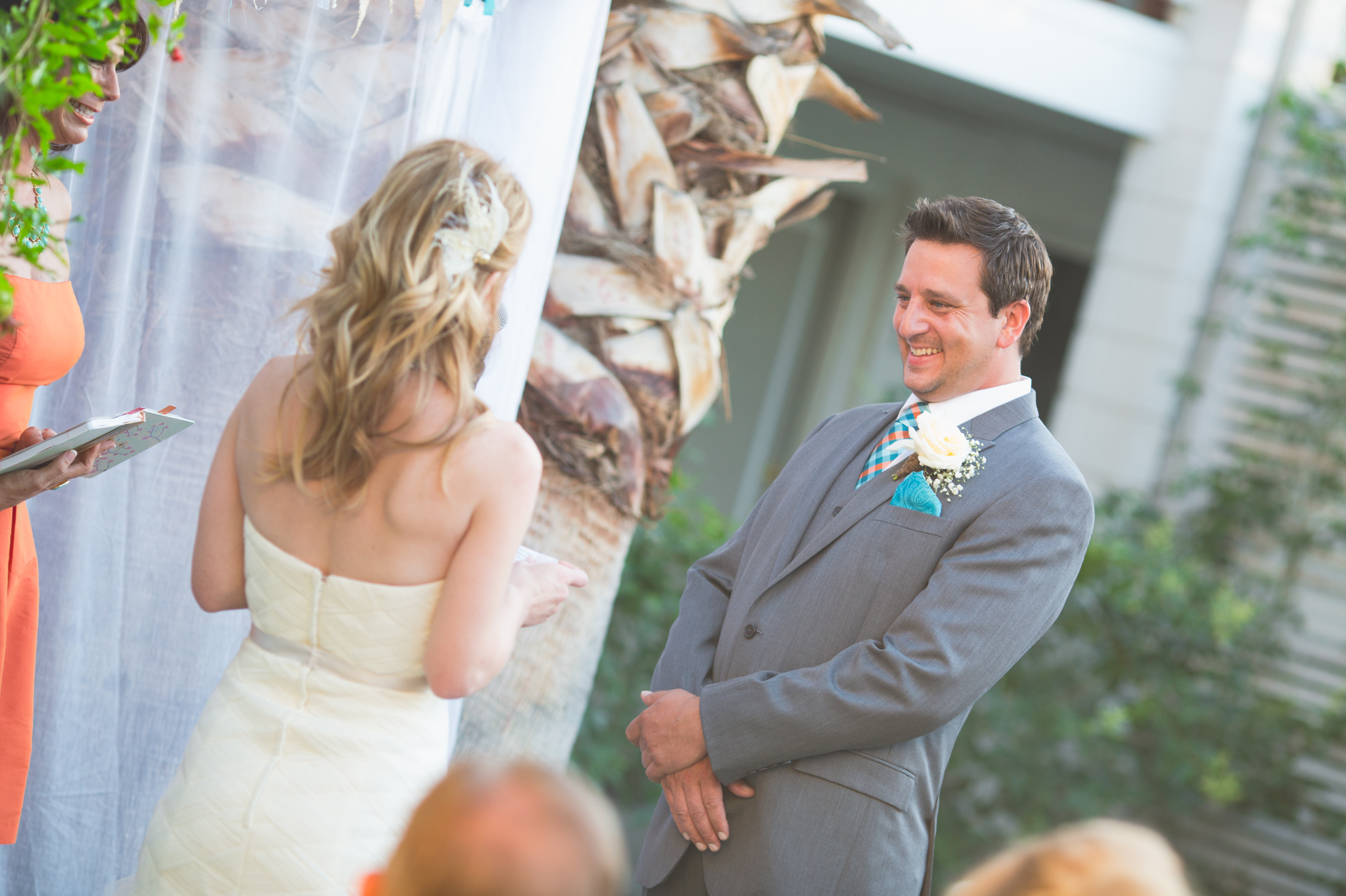 arizona-wedding-photographer-smiling-groom-ceremony