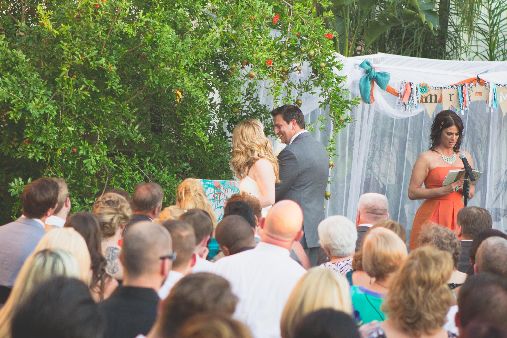 scottsdale-wedding-photograhy-paint-ceremony-cool