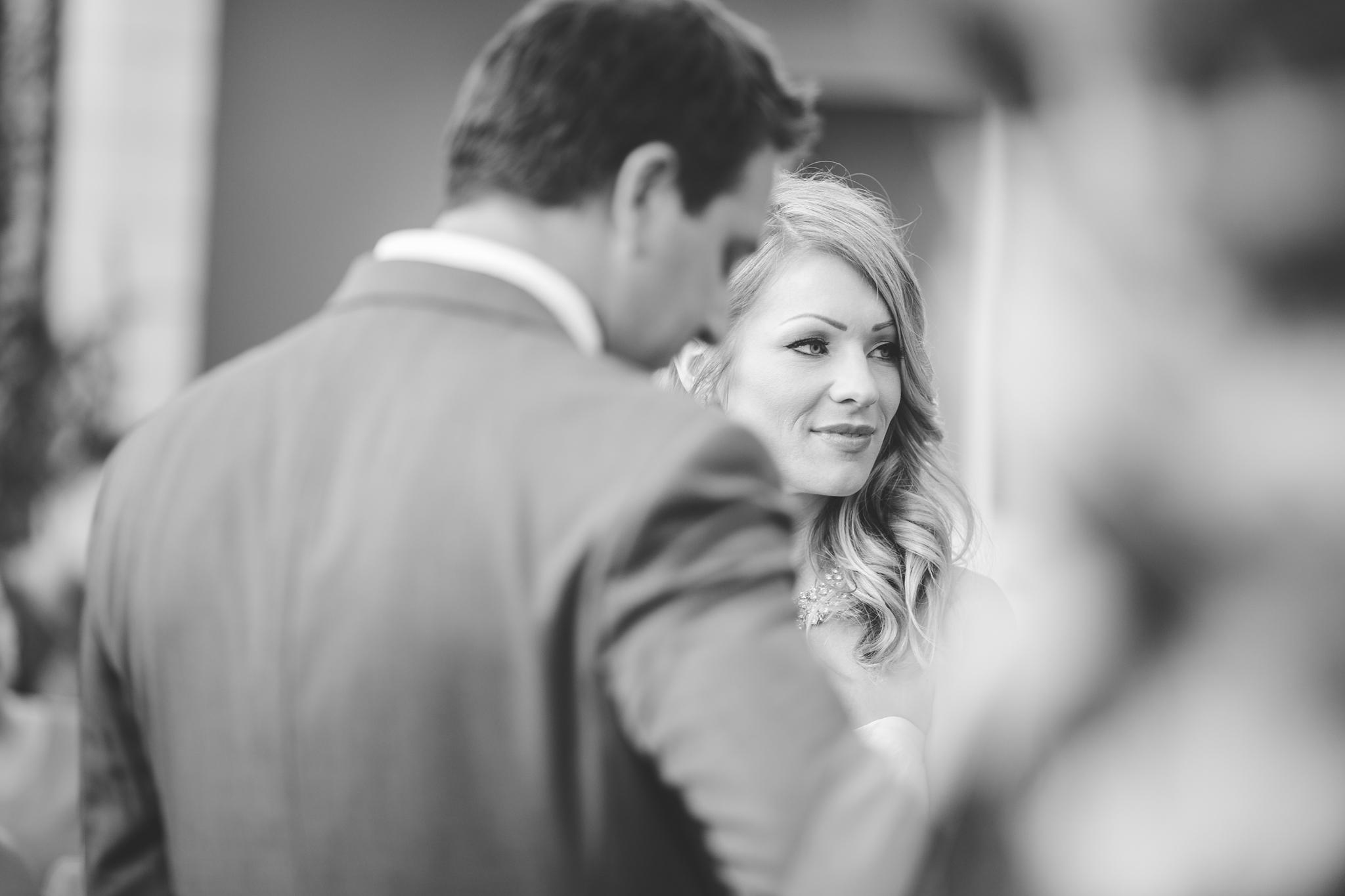as-wedding-photographer-black-and-white-bride-look-el-dorado