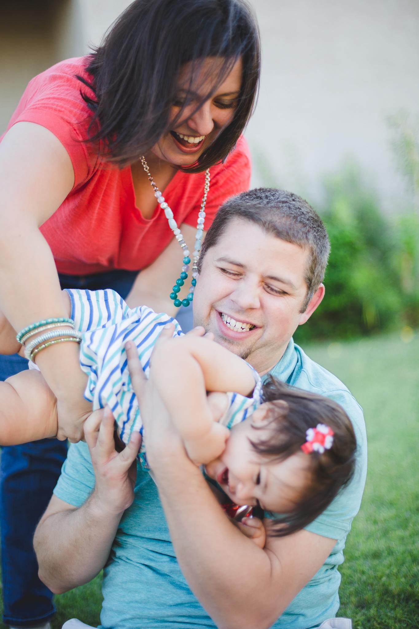 phoenix-photographer-baby-birthday-shoot-family-playing