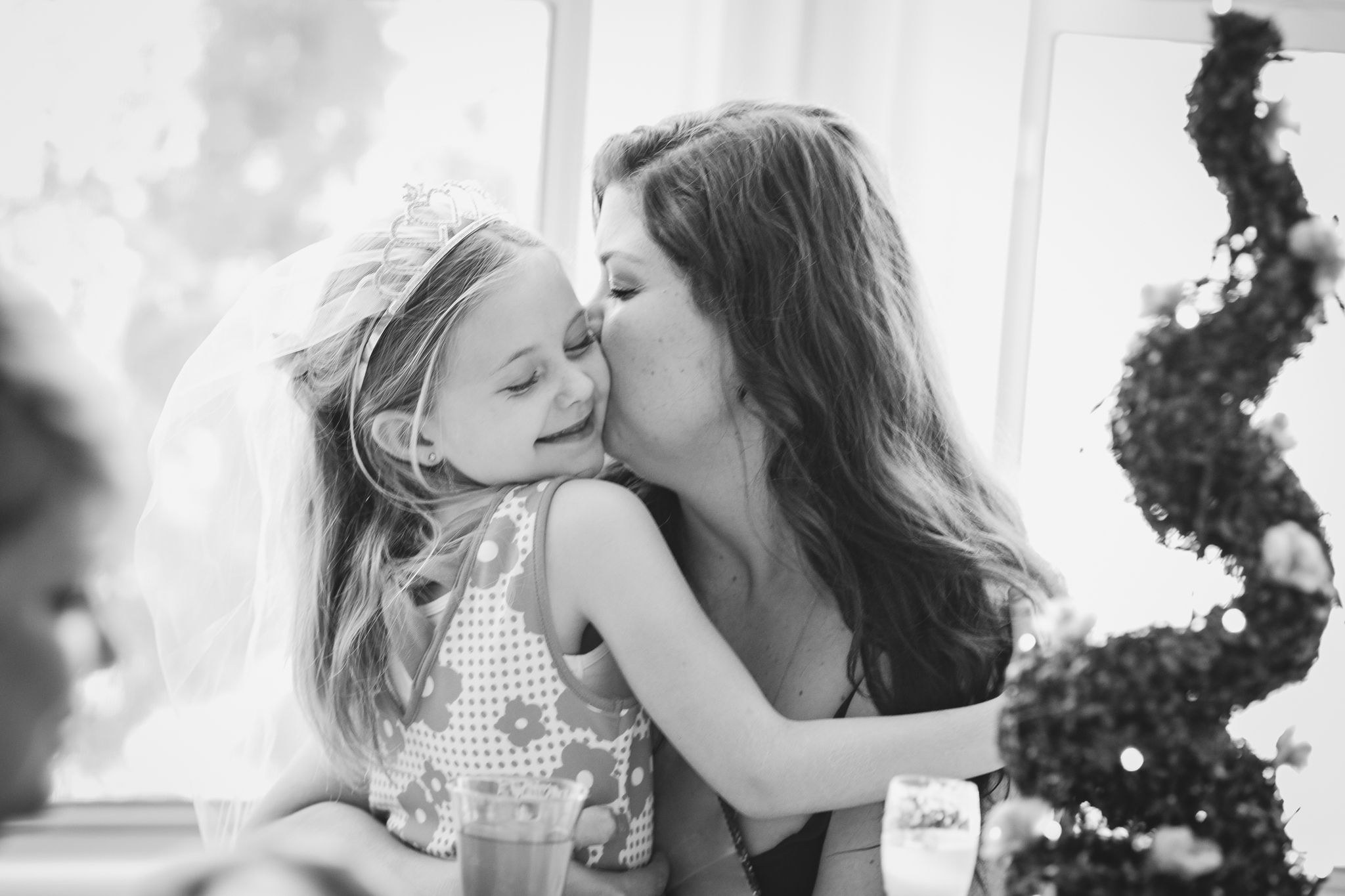 tiffany-bridal-shower-sweet-moment-niece-bw