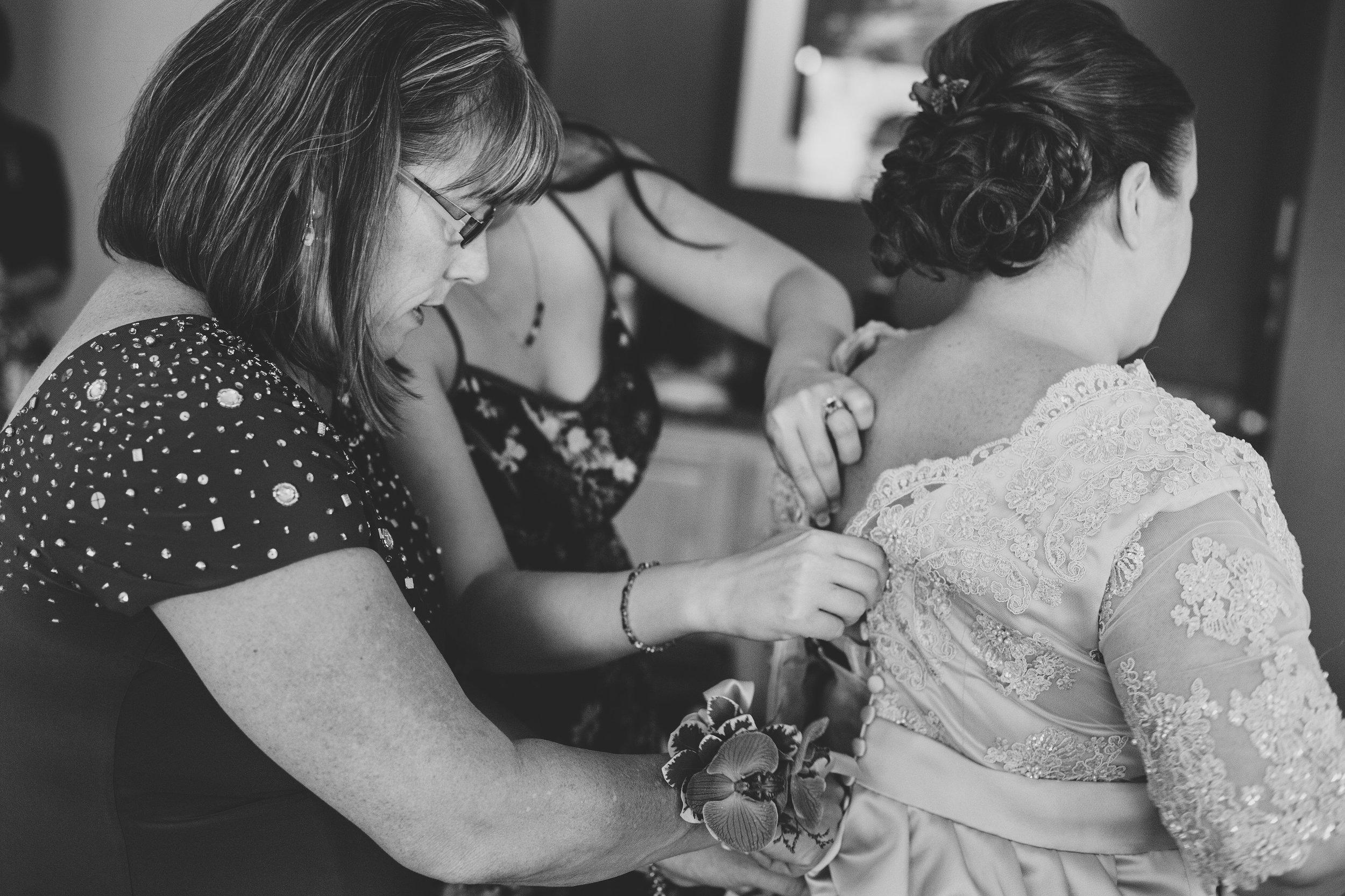 jessica-bride-getting-into-dress