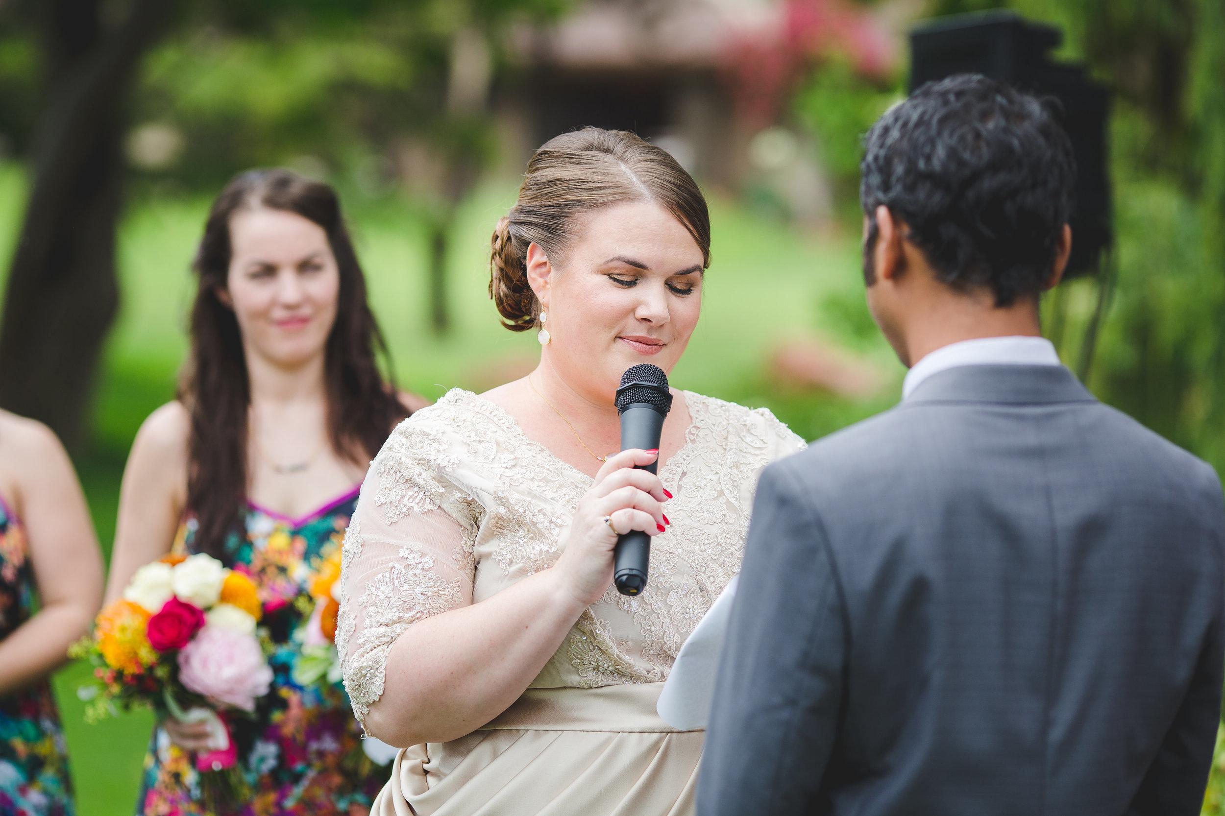 sedona-wedding-bride-saying-vows-jessica