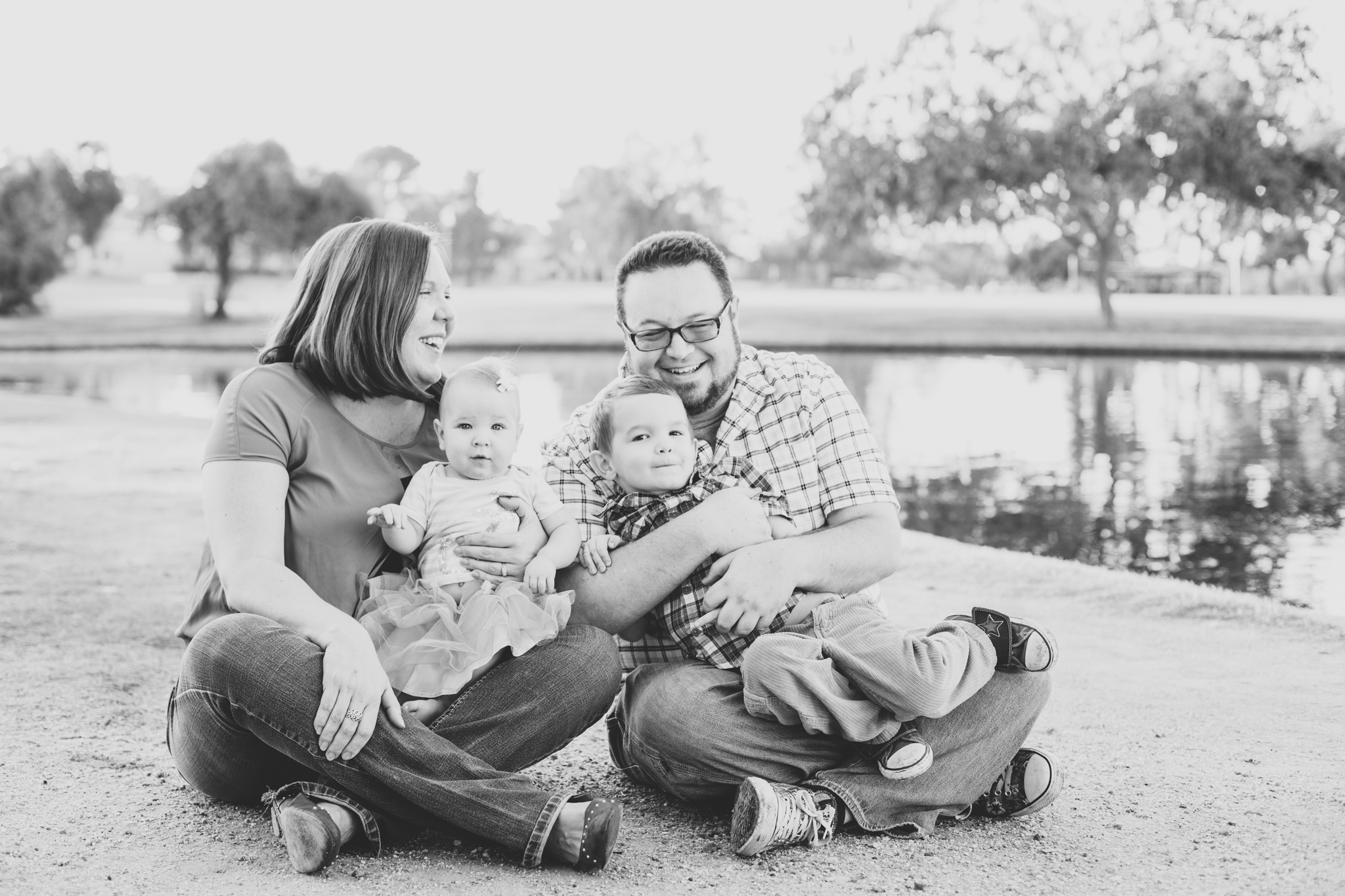 black and white scottsdale family picture houle
