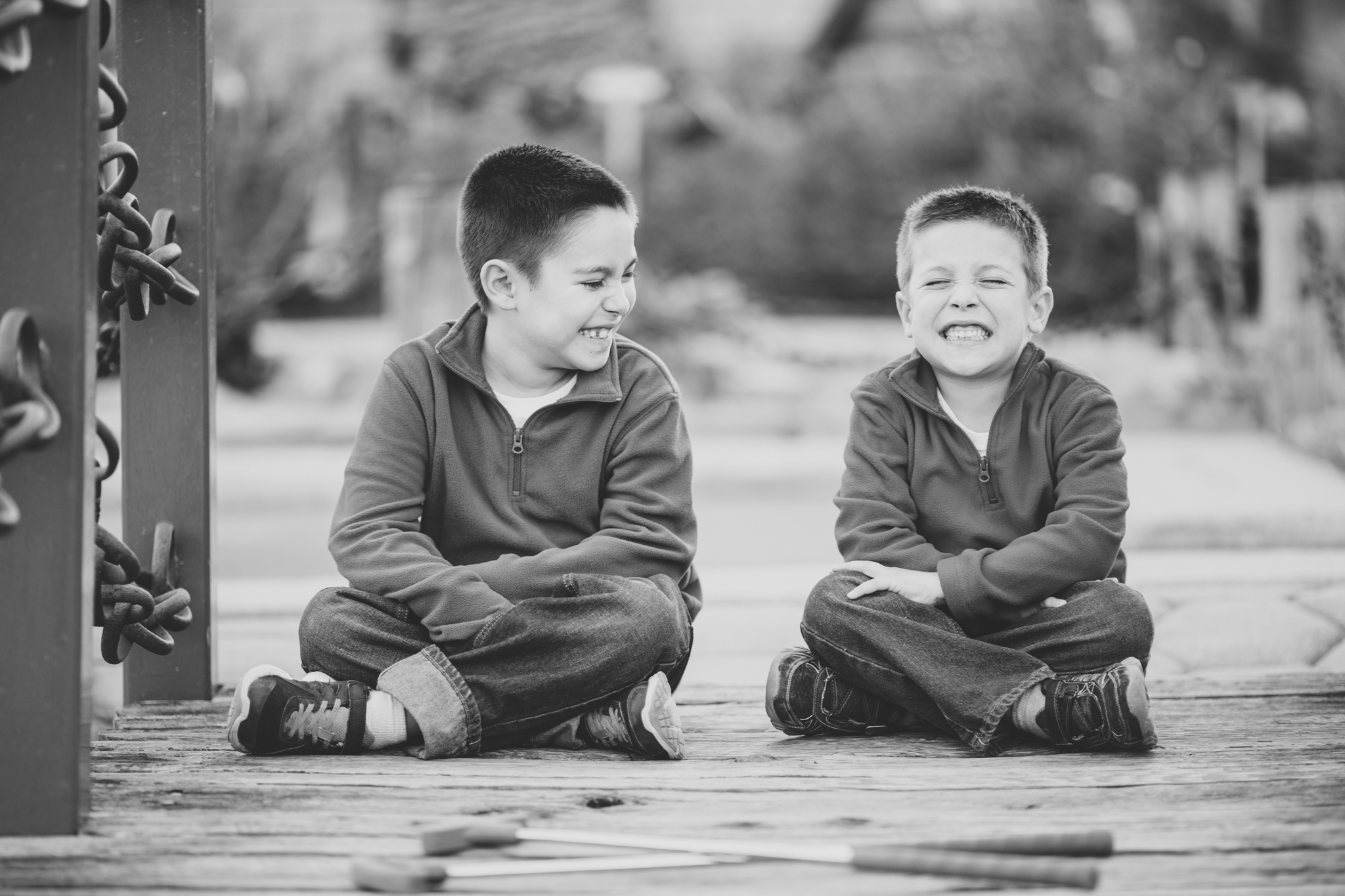 phoenix family photographer kids laughing and smiling
