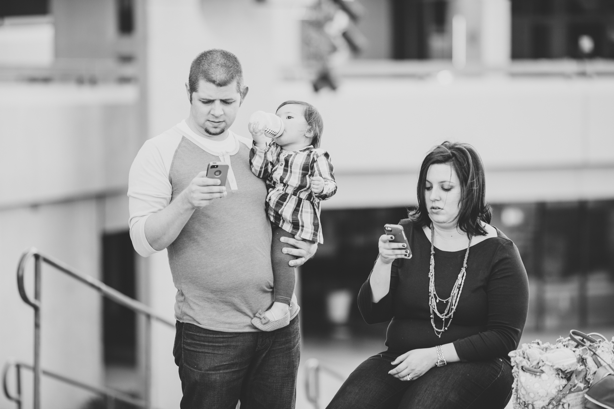 modern parents cell phones black and white