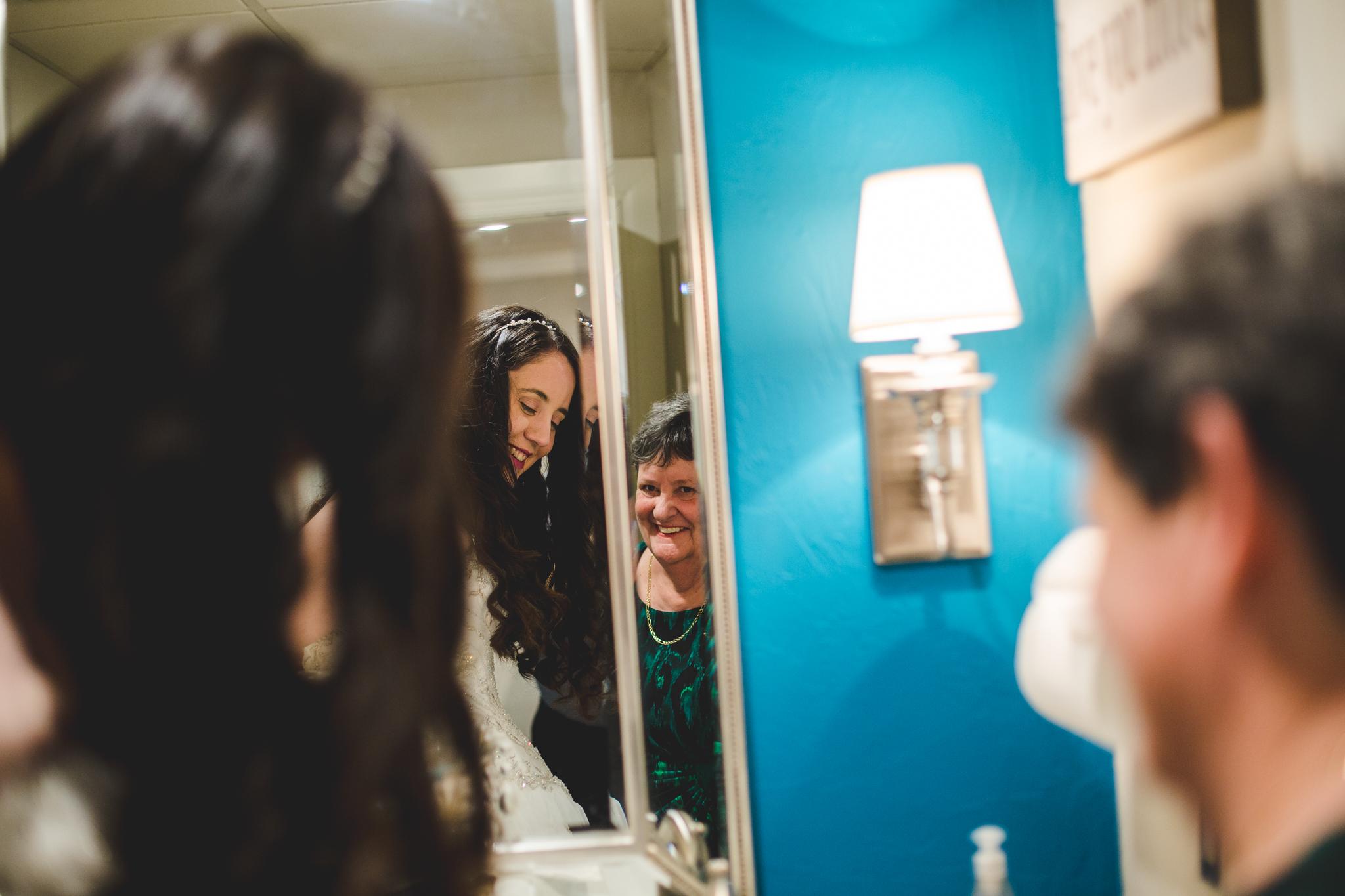 rs samantha bride smiles at aunt