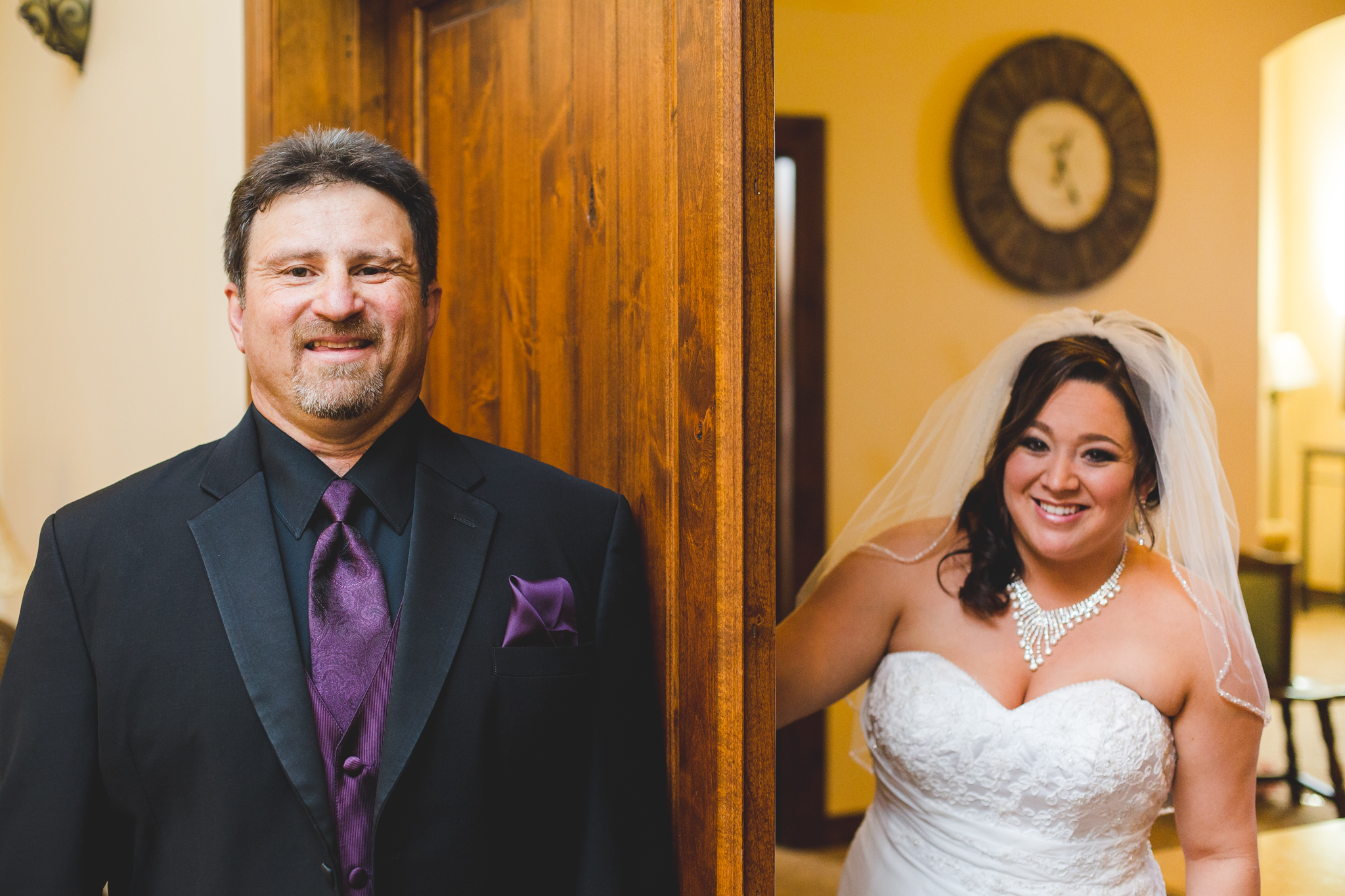 bride and dad ready for first look mj