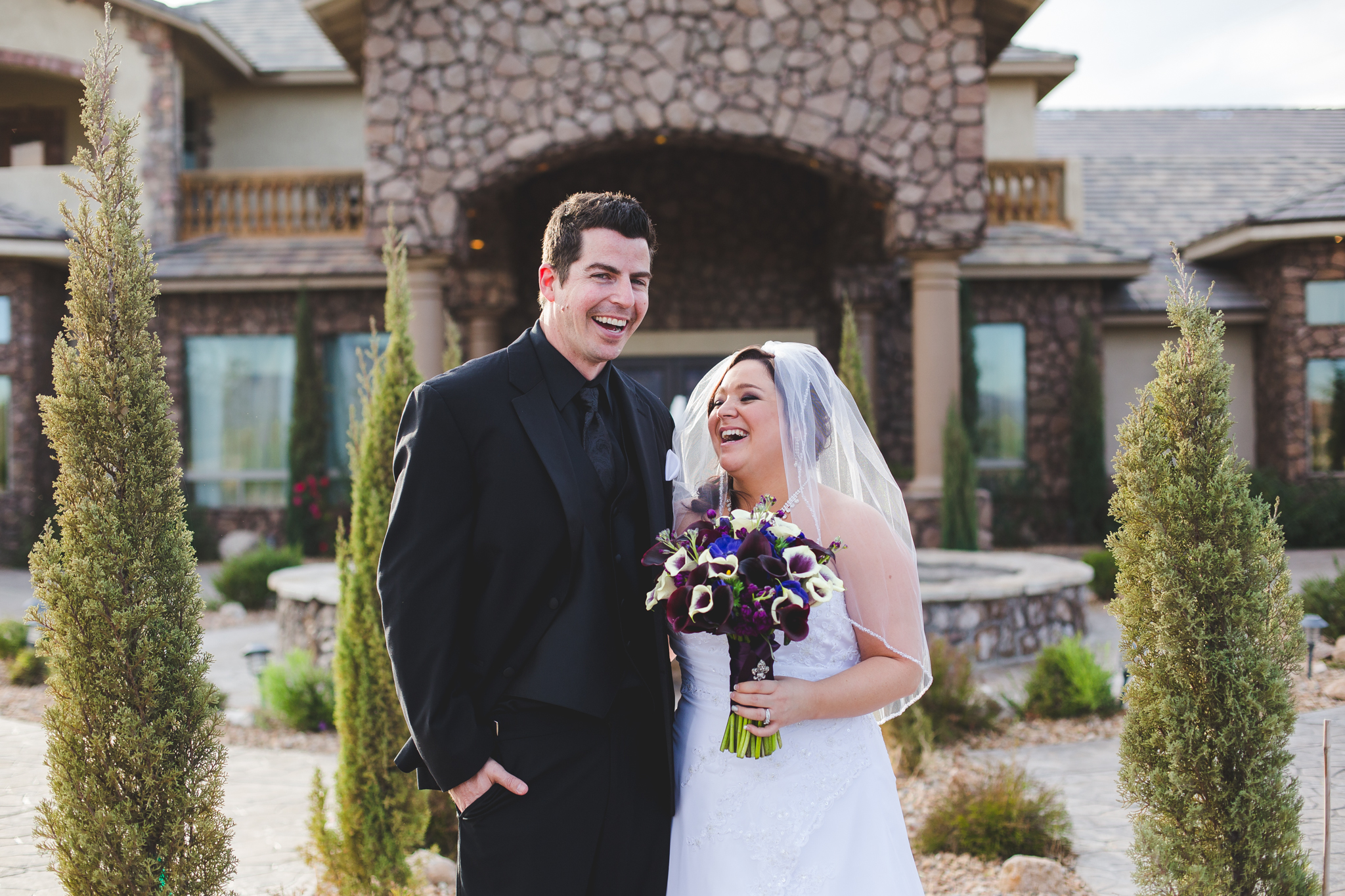 bride and groom portrait superstition manor trees smiling aaron kes photography mj