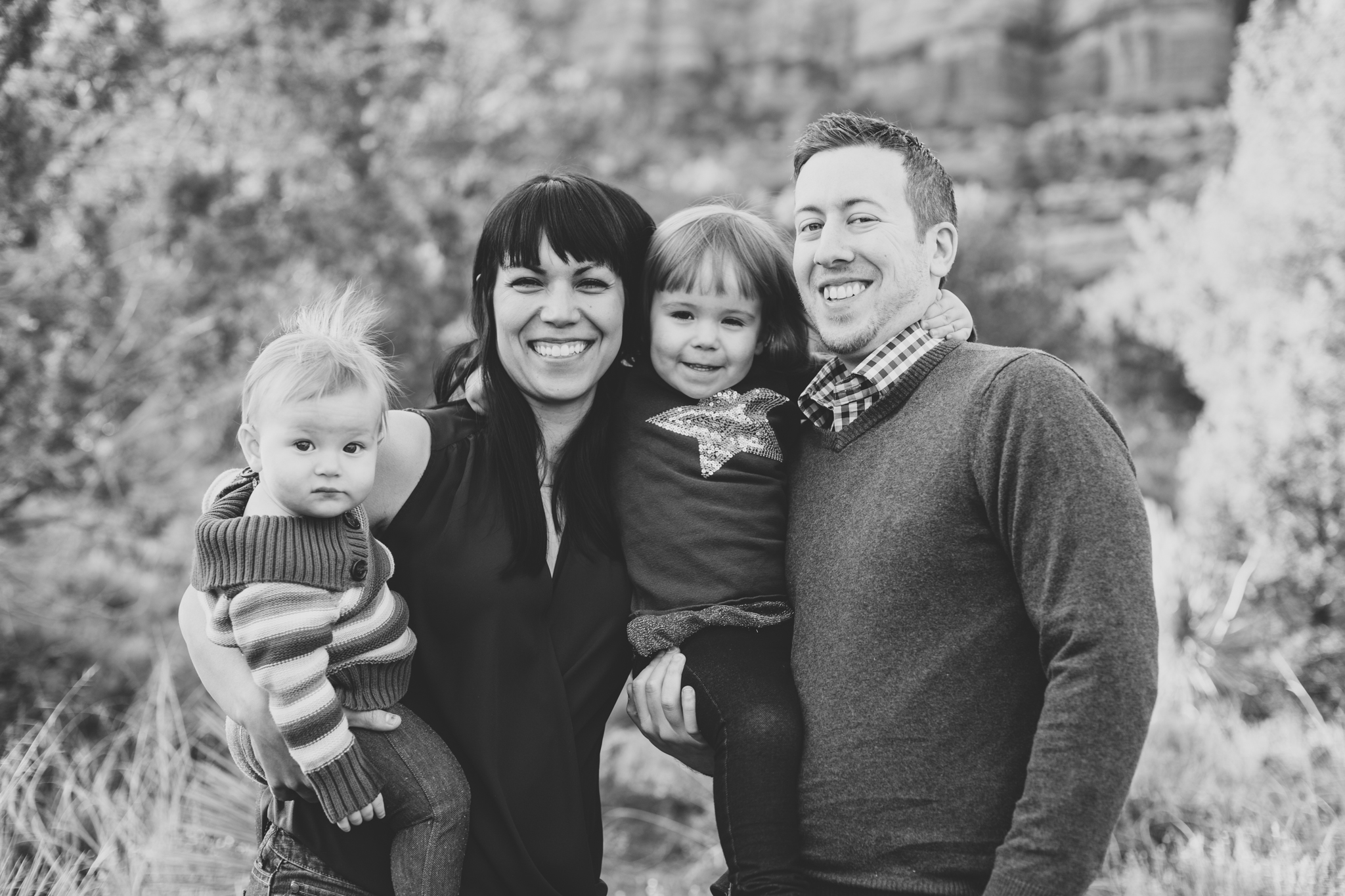 black and white smiling family photography sedona