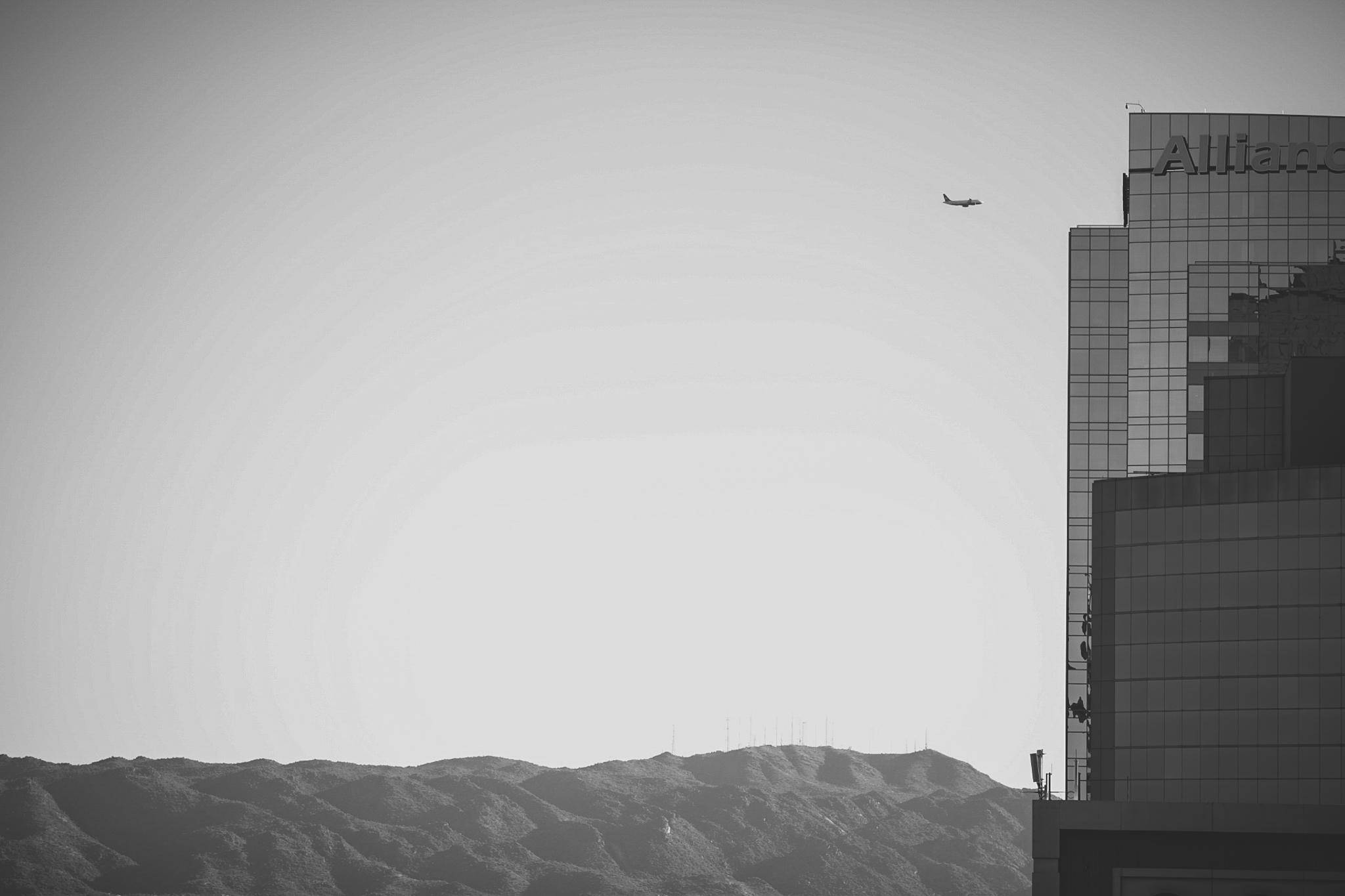 plane in downtown phoenix