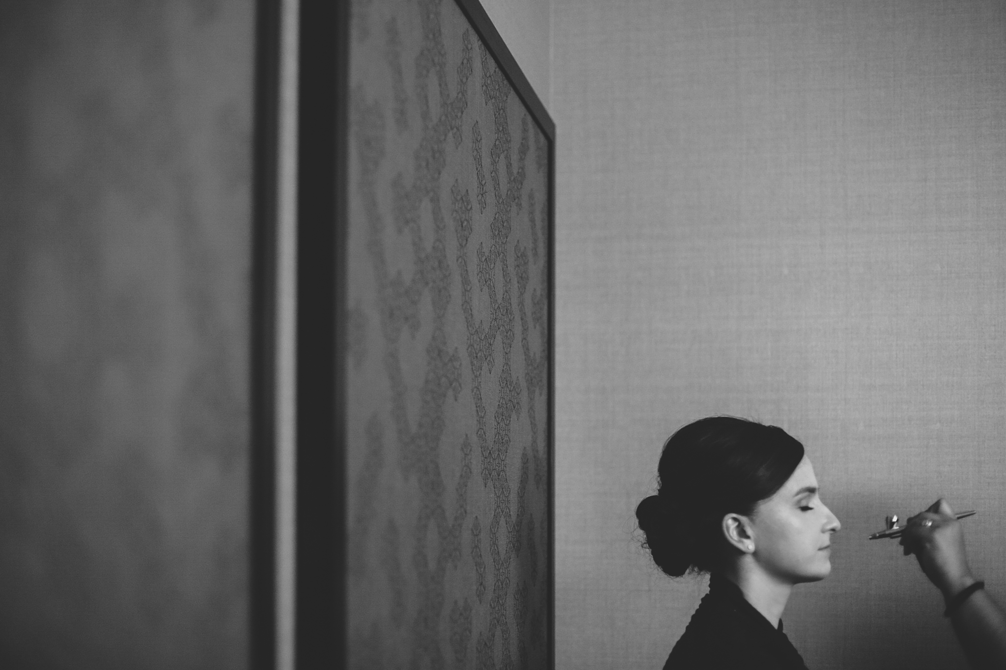 cool composition black and white bride getting ready hj