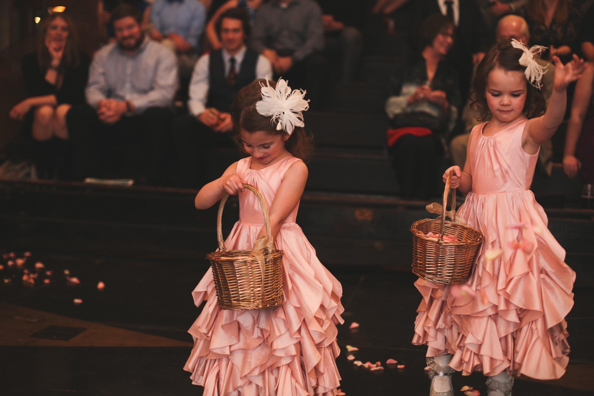 flower girls down aisle hj