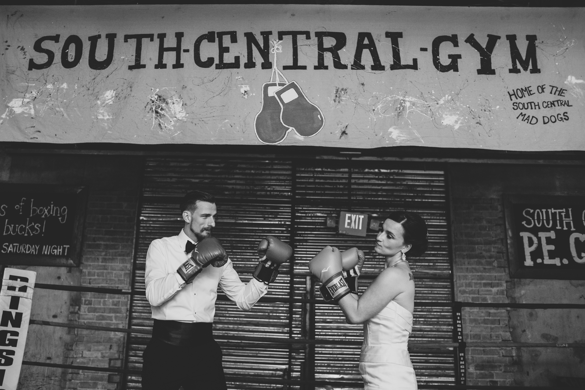 old timey bride groom boxing ring the duce black and white hj