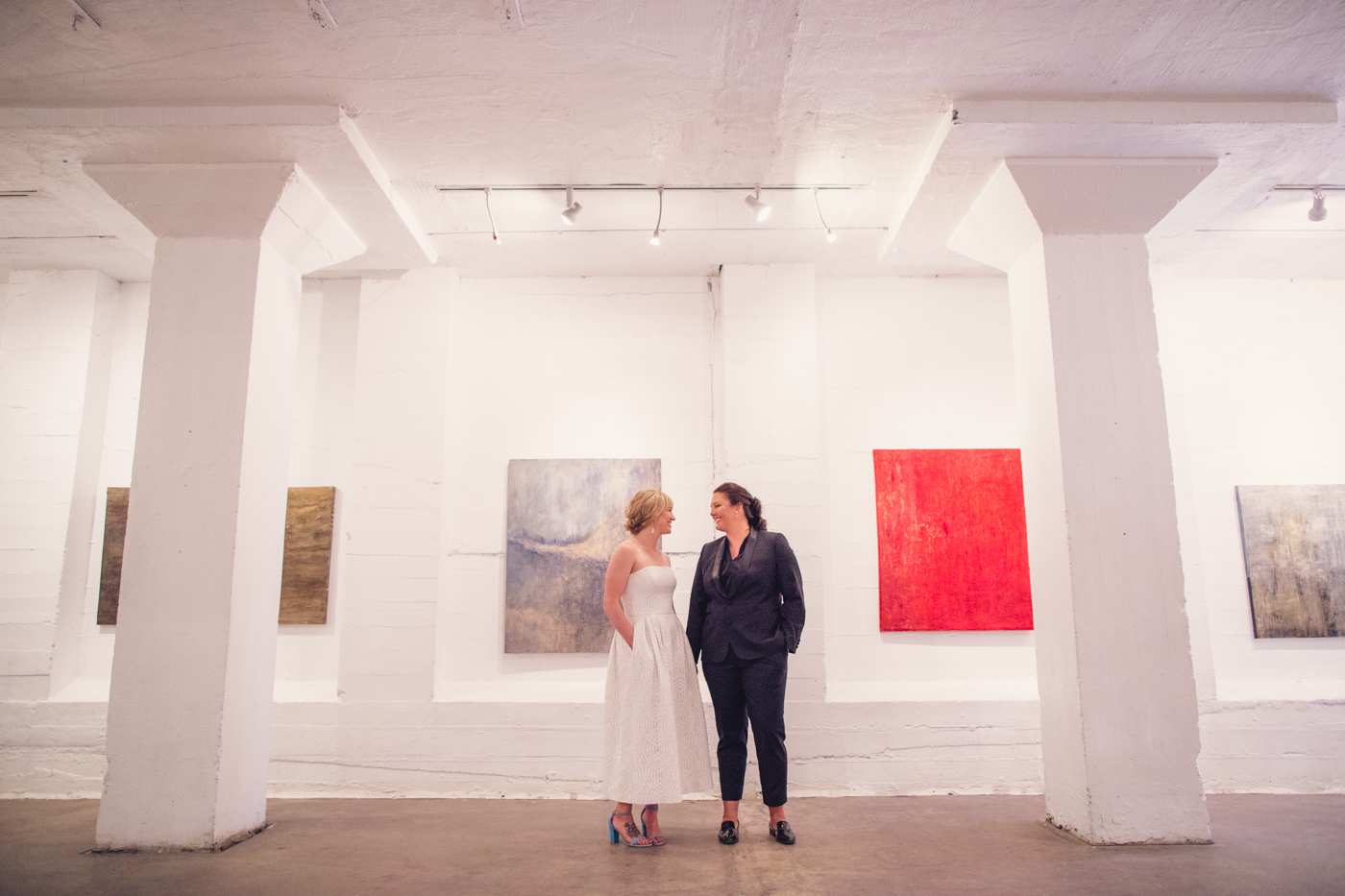 wedding-photography-column-room-icehouse-phoenix