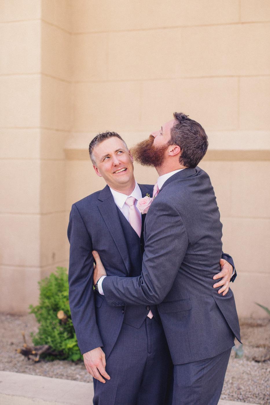 hilarious-groomsman-and-groom-photo
