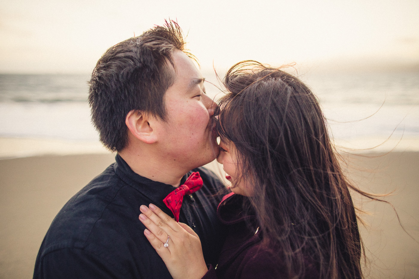 aaron-kes-photography-sweet-forehead-kiss