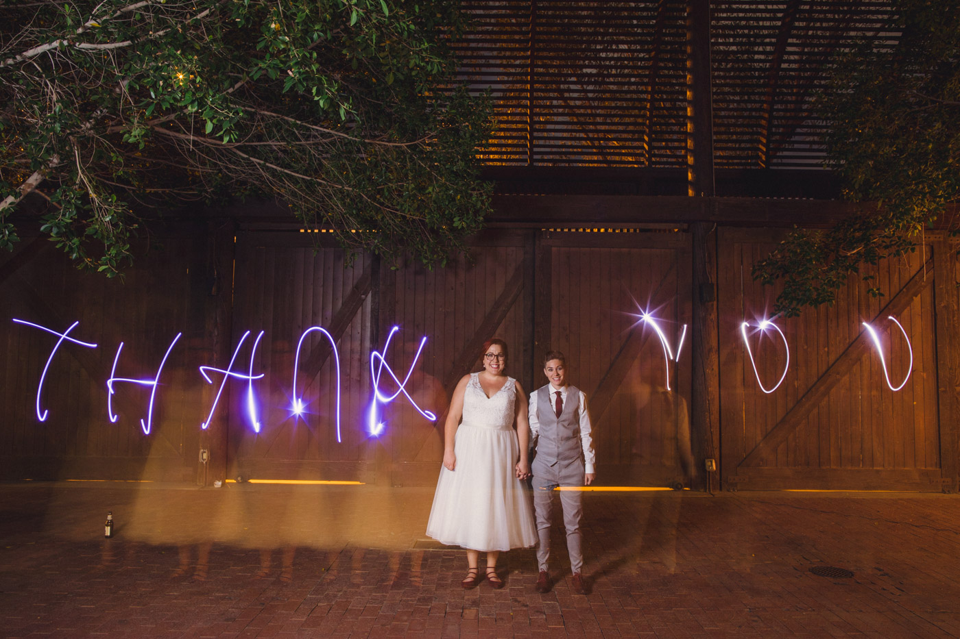 light-painting-at-wedding-led-lights