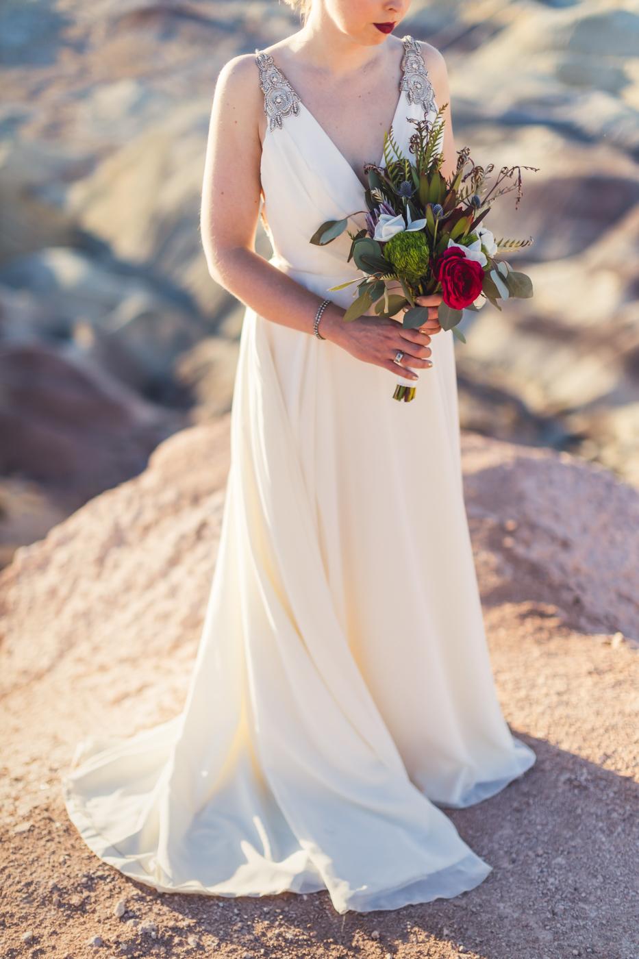 az-bride-dress-detail